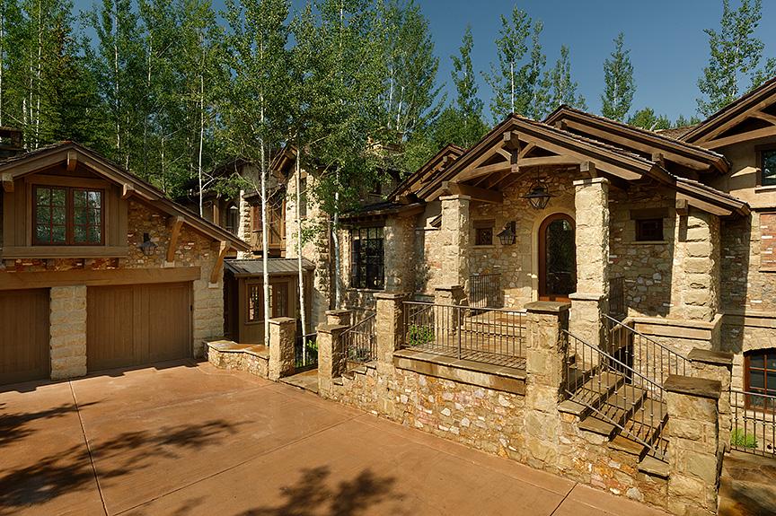 Property Of Awesome Slopeside!