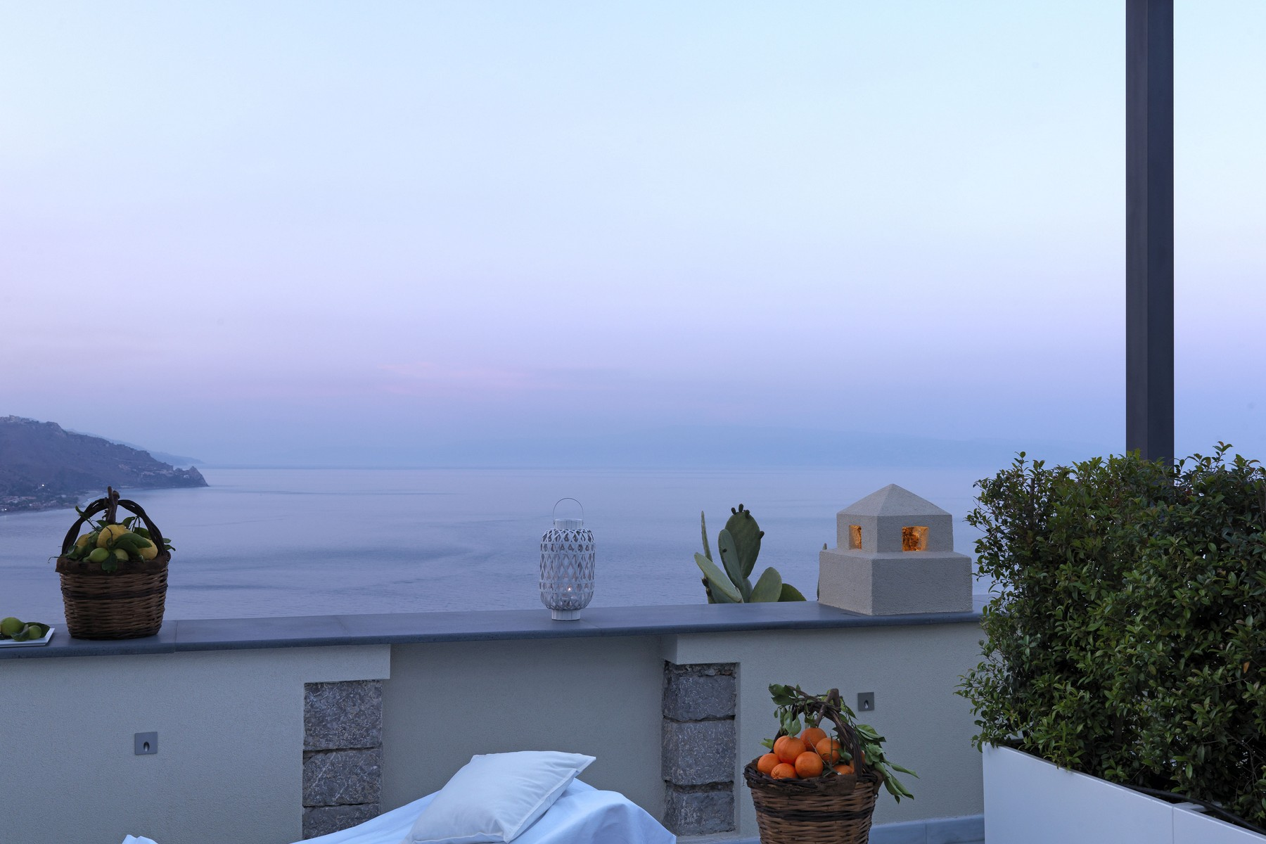 Additional photo for property listing at Dream villa on the sea in Taormina Taormina, Messina Italia