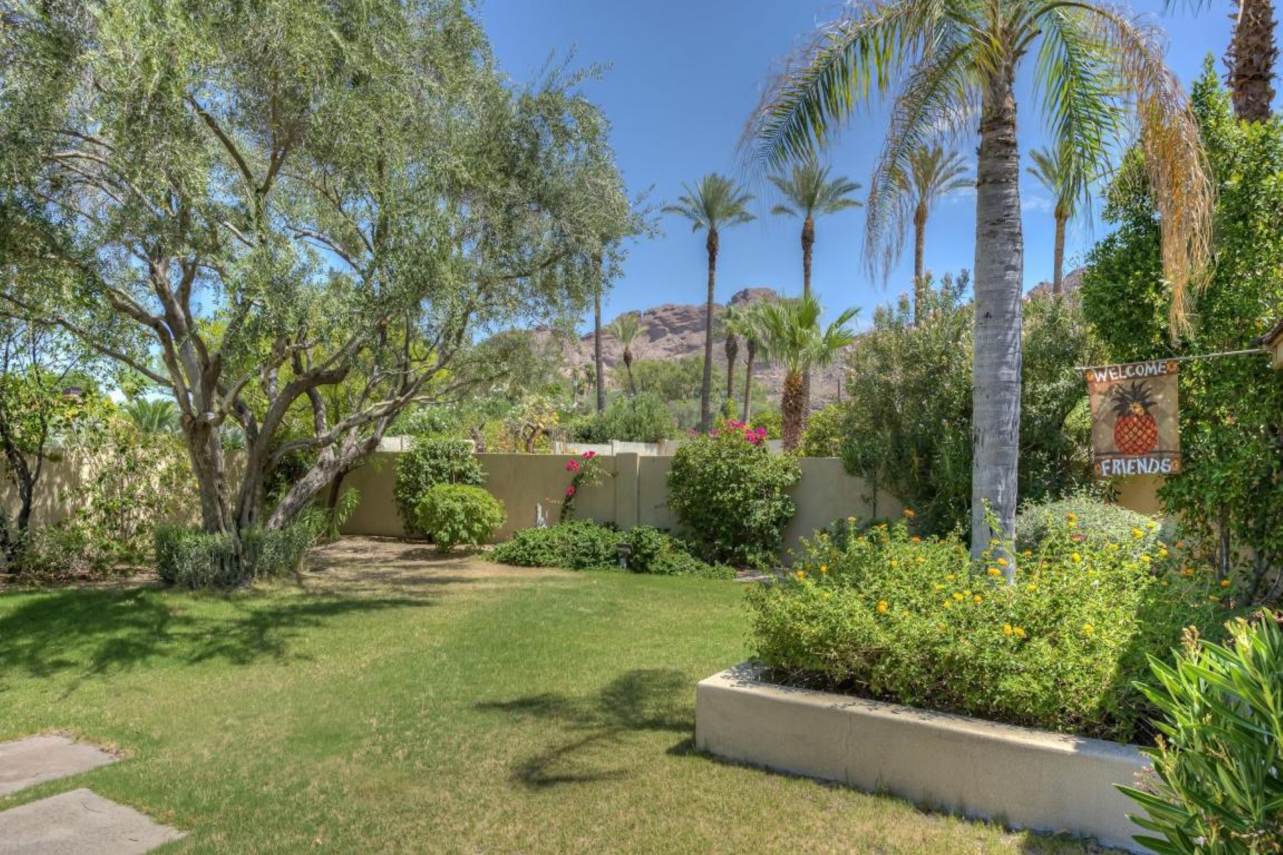 토지 용 매매 에 Incredible views of Camelback mountain this large lot 4601 N Arcadia Dr 4 Phoenix, 아리조나, 85018 미국