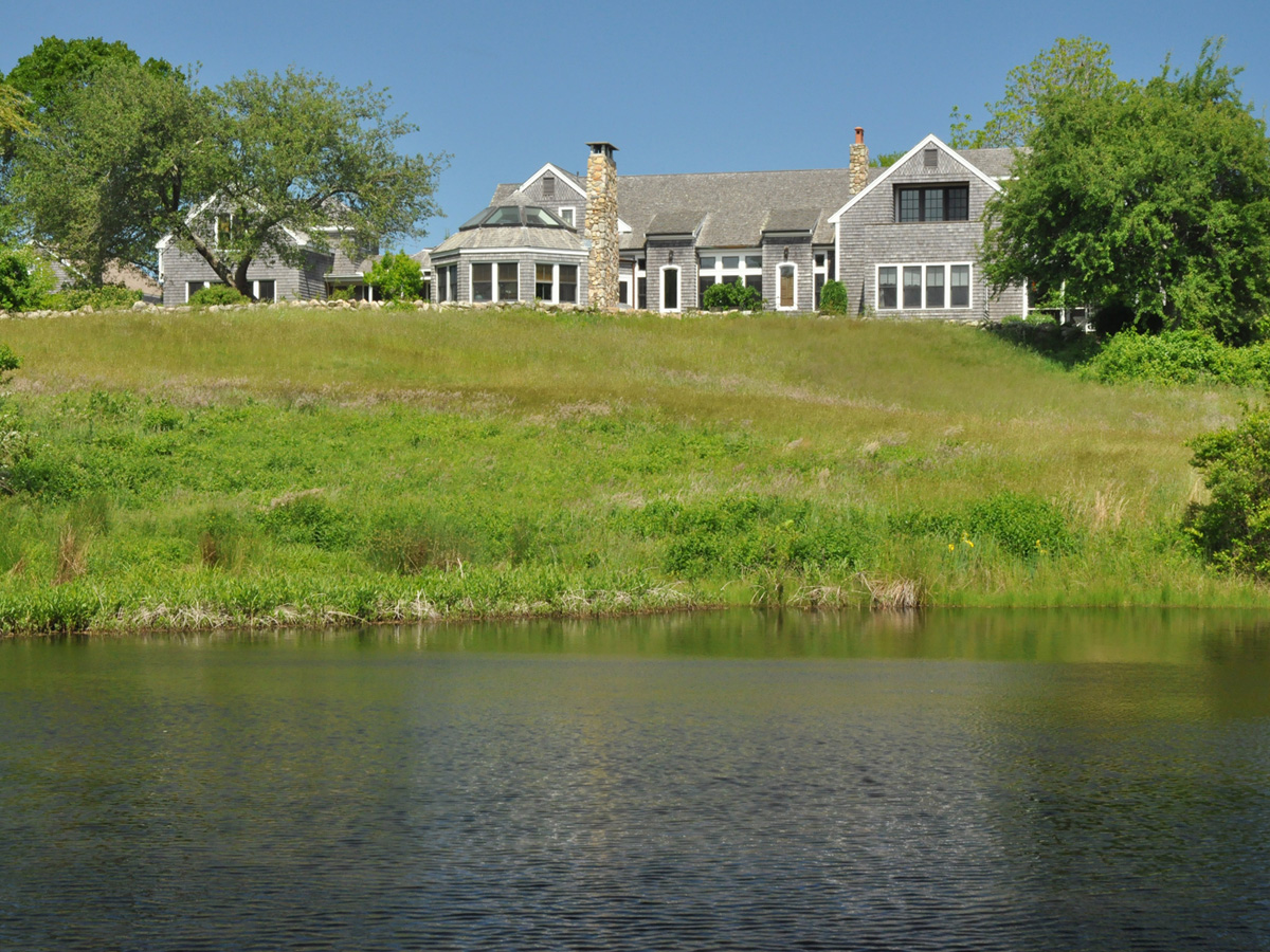 Casa Unifamiliar por un Venta en Country Estate on Martha's Vineyard 140 Merry Farm Road West Tisbury, Massachusetts 02575 Estados Unidos