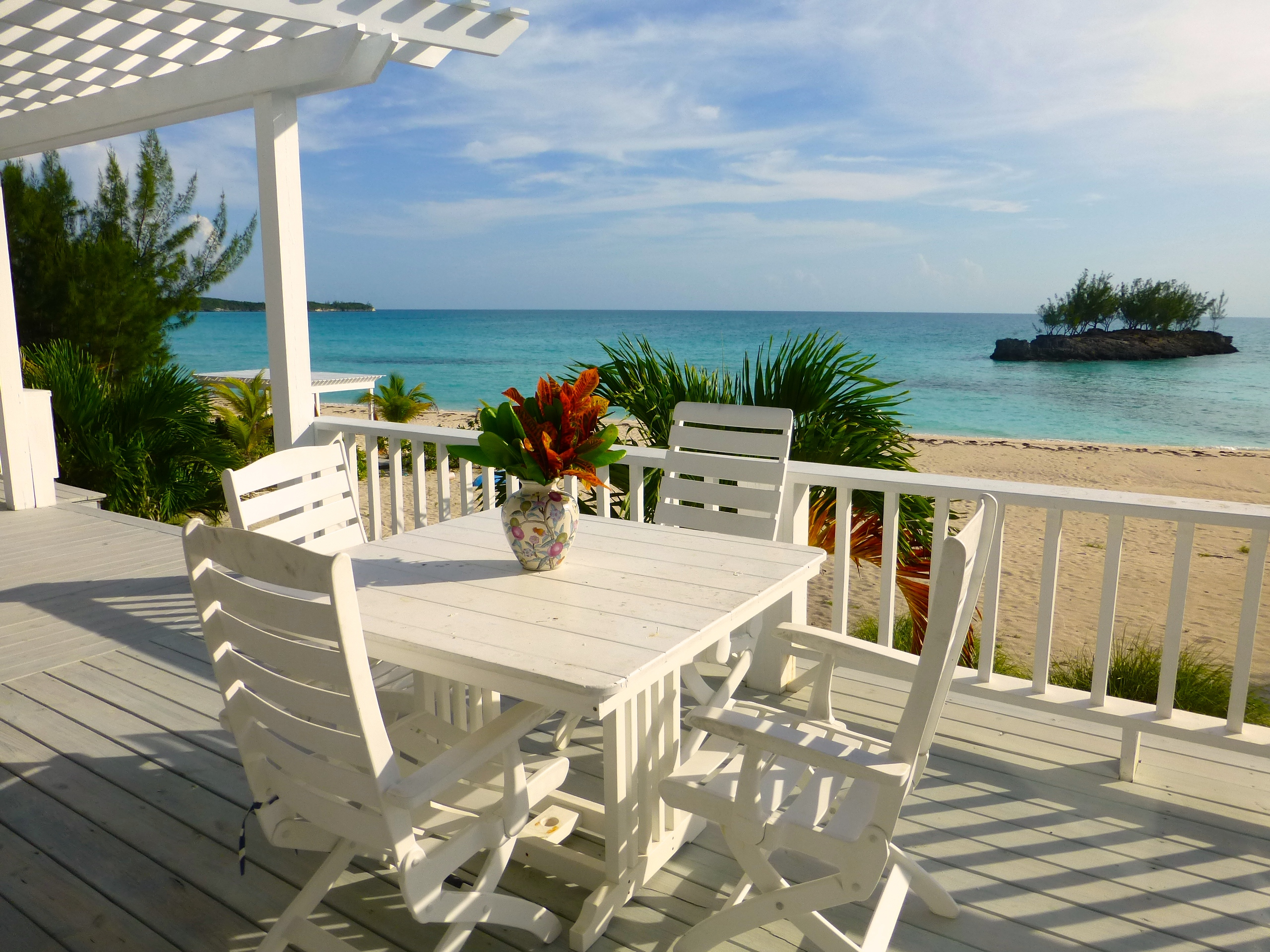 Maison unifamiliale pour l Vente à A Beach House for an Incomparable Island Lifestyle. Gregory Town, Eleuthera Bahamas