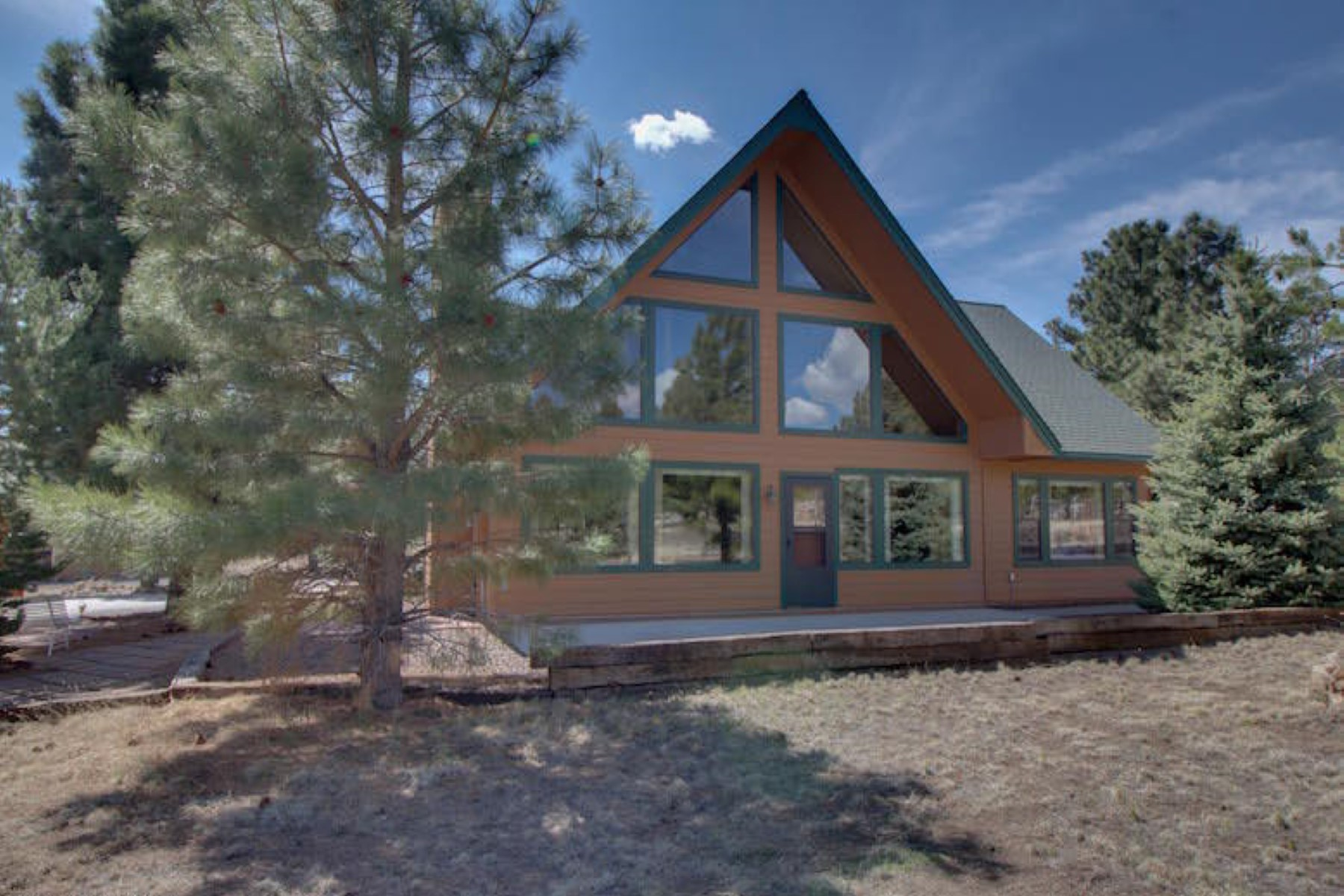 Single Family Home for Sale at Enjoy nature at this beautiful private mountain home 12565 N Copeland LN Flagstaff, Arizona 86004 United States
