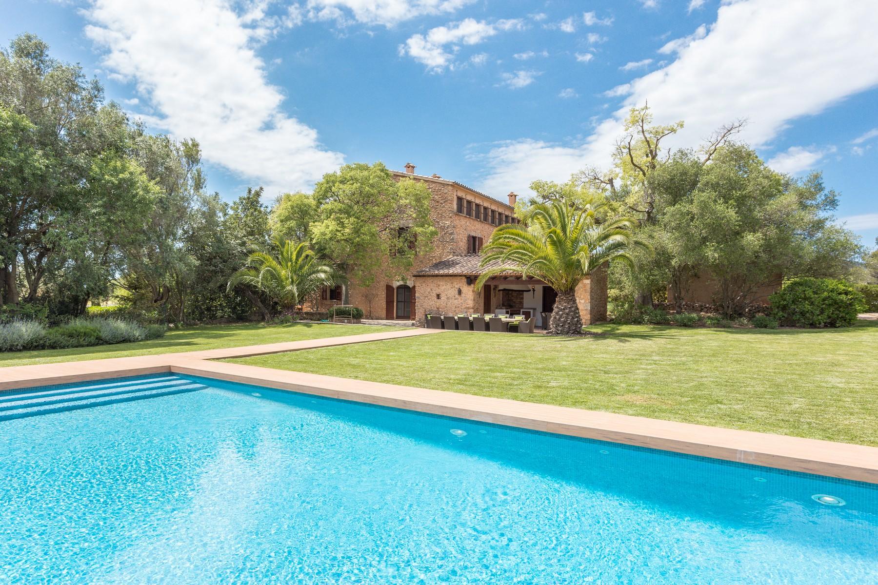 Casa para uma família para Venda às Historic country house in Santa Maria Santa Maria, Palma De Maiorca, 07320 Espanha