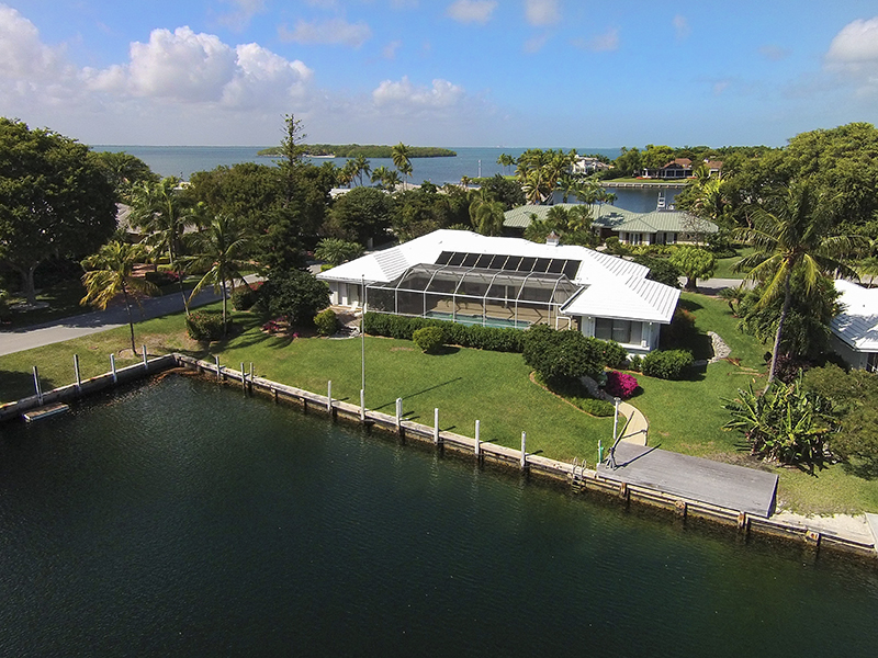 Maison unifamiliale pour l Vente à Waterfront Living at Ocean Reef 1 Sail Point Lane Ocean Reef Community, Key Largo, Florida, 33037 États-Unis