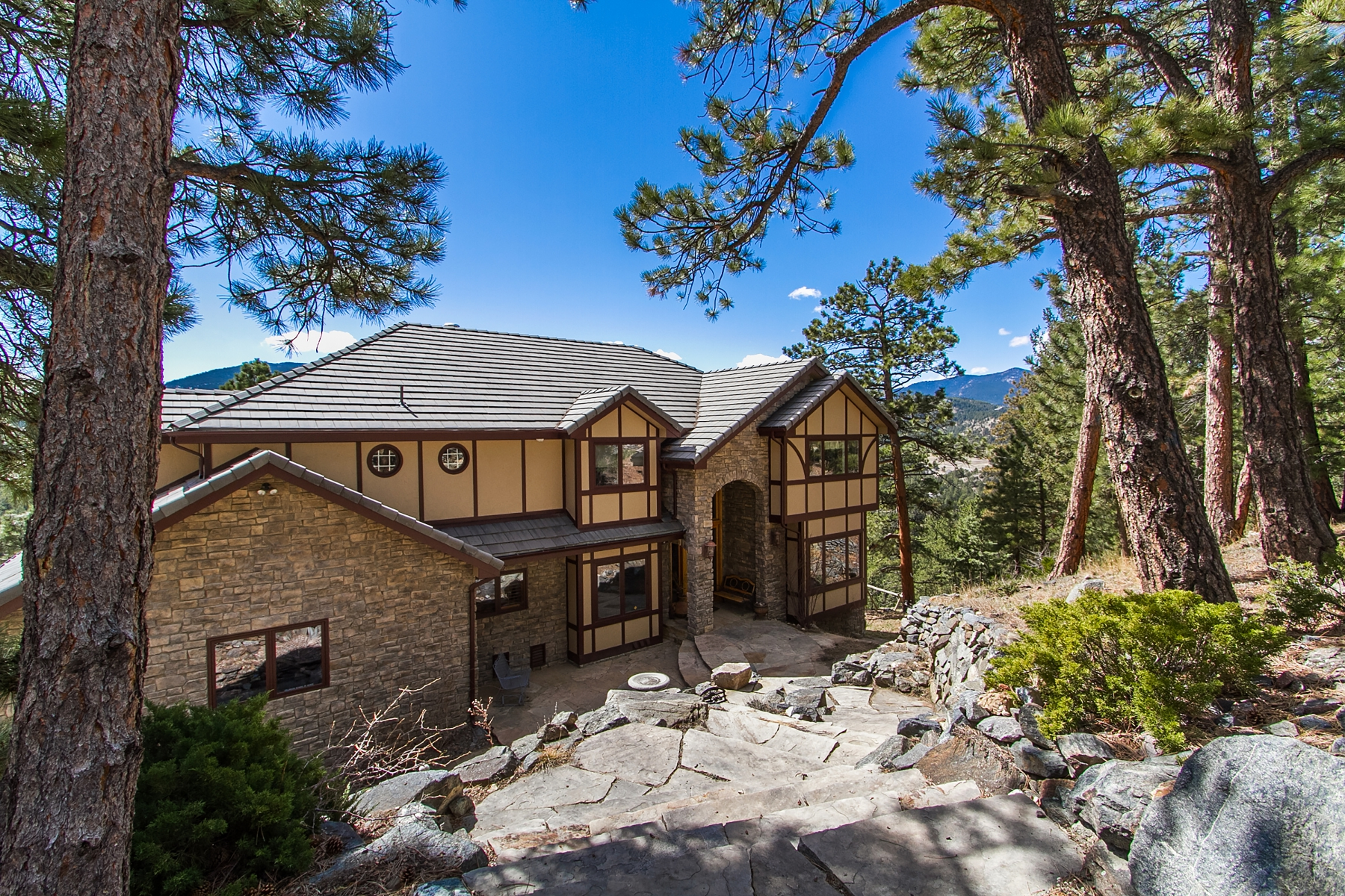 Single Family Home for Sale at Majestic Hilltop Home 484 Humphrey Drive Evergreen, Colorado 80439 United States