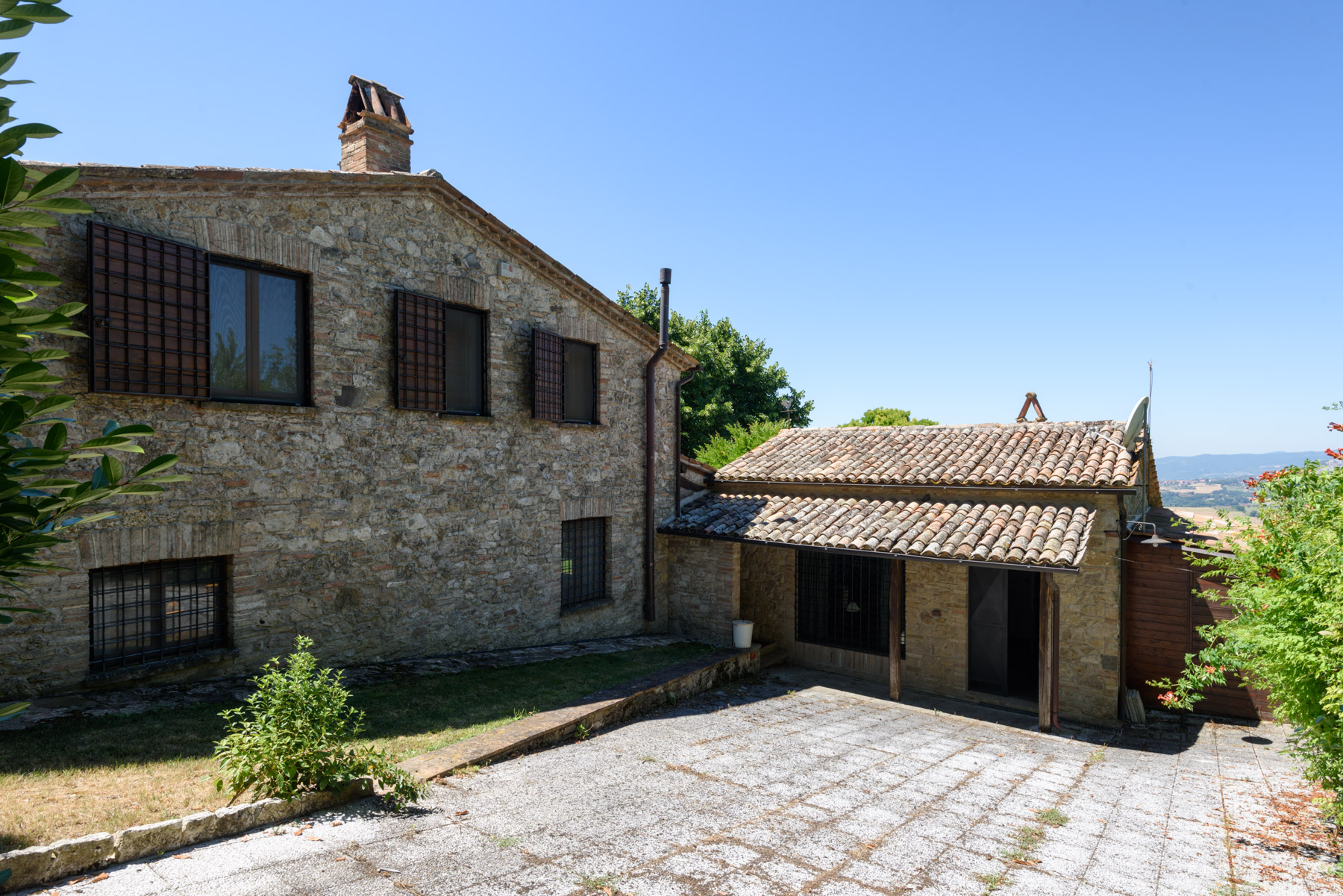 Additional photo for property listing at Charming house overlooking the town of Todi Todi, Perugia Italy