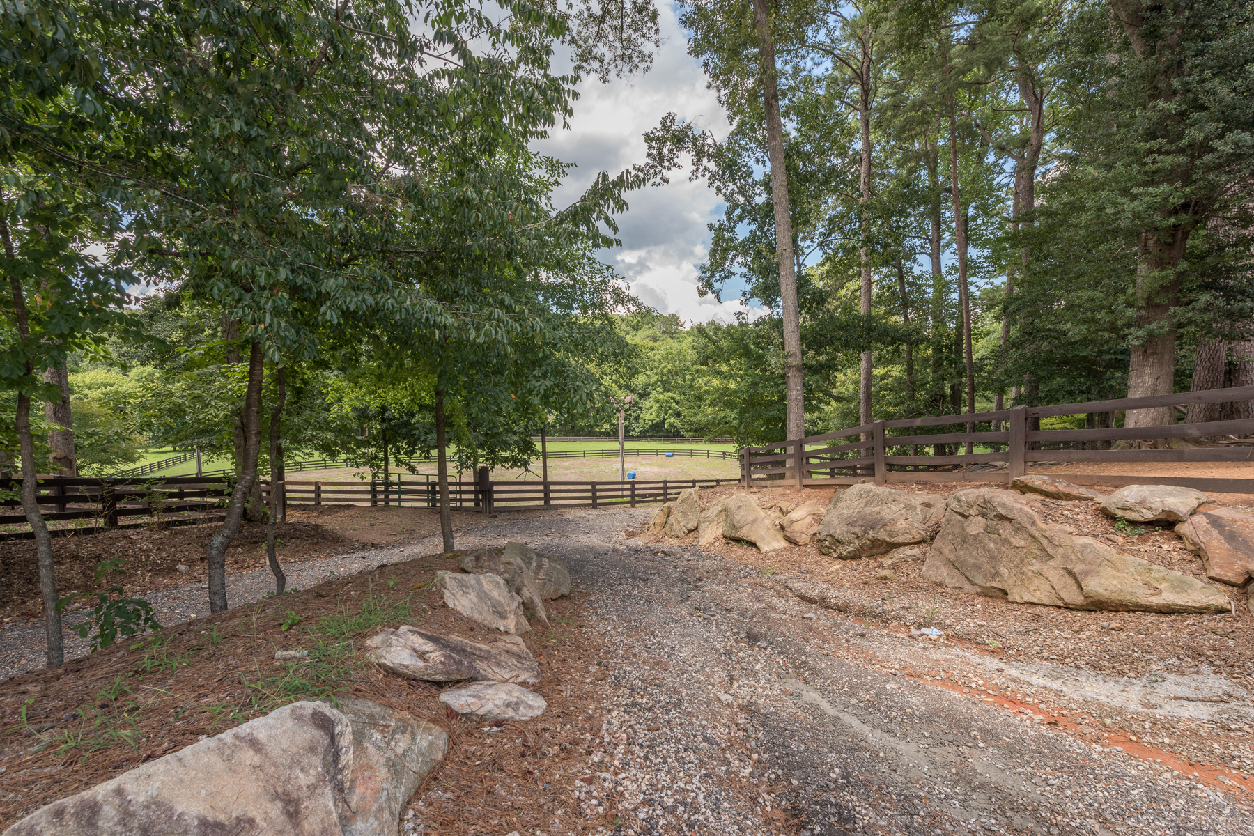 Additional photo for property listing at Magnificent Equestrian Estate 13560 Blakmaral Lane Milton, ジョージア 30004 アメリカ合衆国