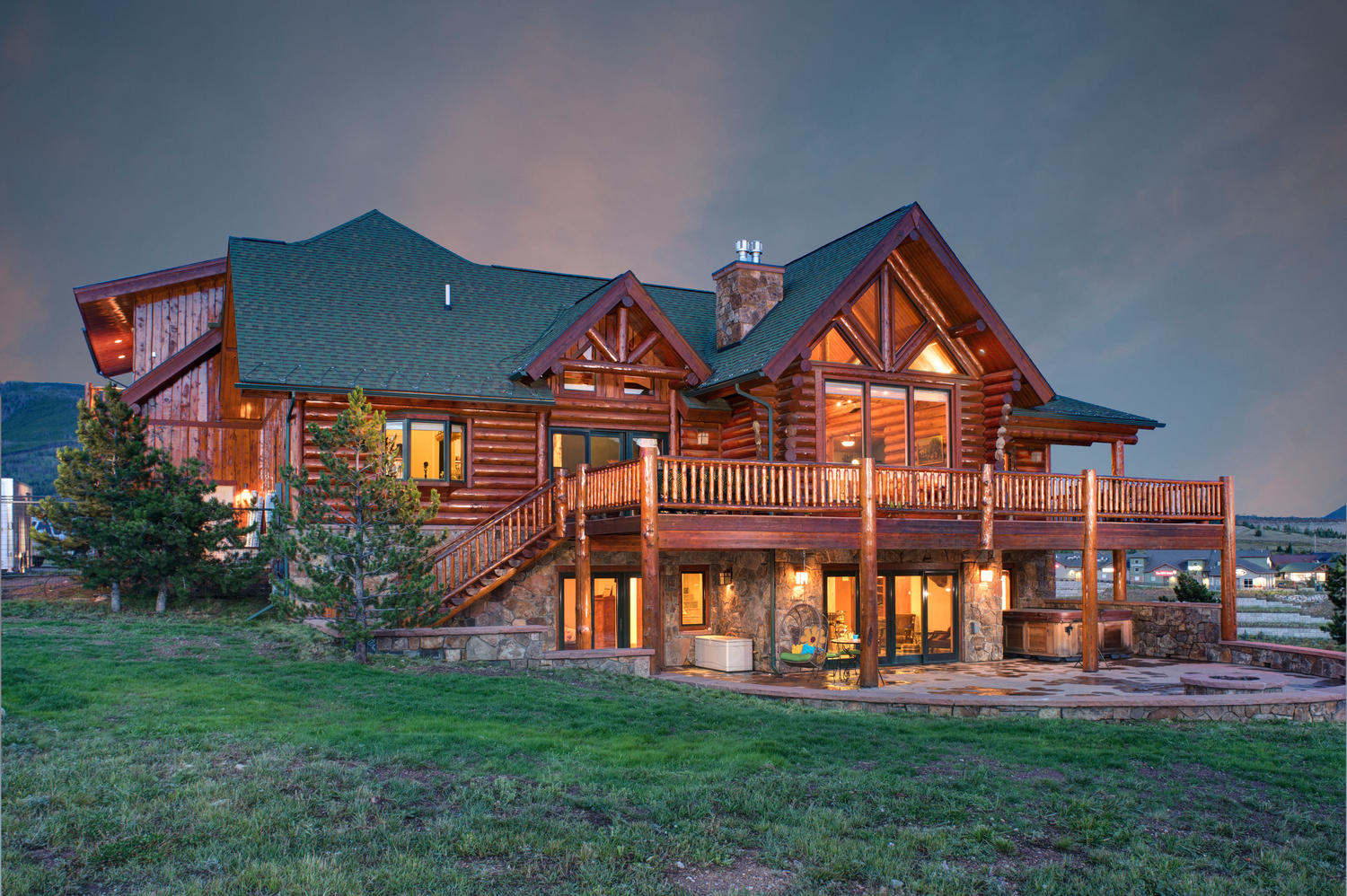 Vivienda unifamiliar por un Venta en Log Home with Panoramic Mountain Views 333 Ptarmigan Silverthorne, Colorado 80498 Estados Unidos
