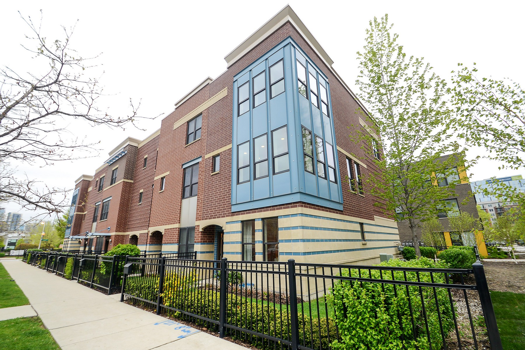 단독 가정 주택 용 매매 에 Spectacular, Sun-drenched Old Town Townhouse 1154 N Hudson Avenue Near North Side, Chicago, 일리노이즈, 60610 미국