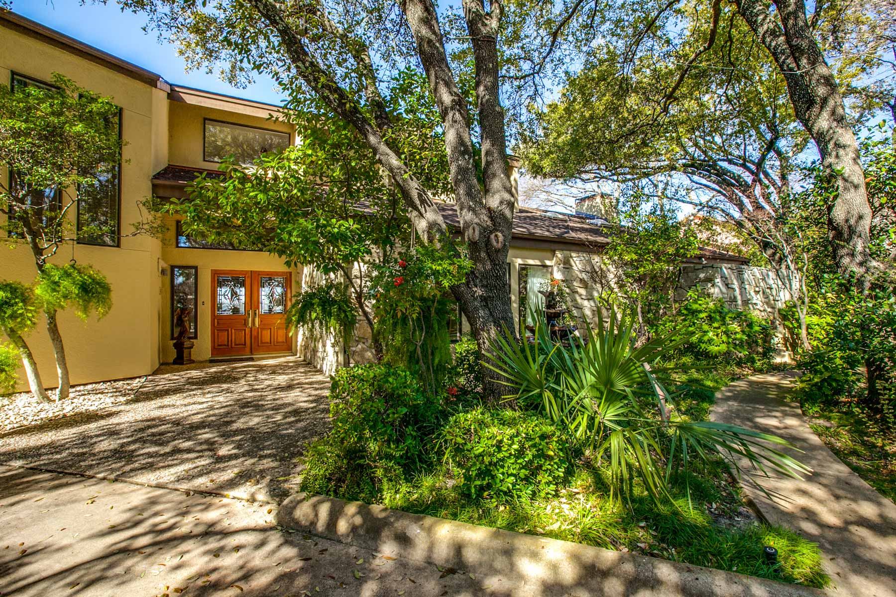 Single Family Home for Sale at Secluded Drive Leads to Wonderful 220 ft. of Waterfront Property 7945 Summit Cove Fort Worth, Texas 76179 United States