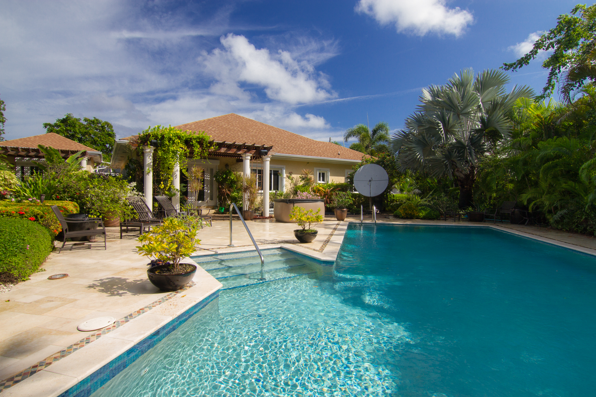 sales property at Coral Gables family home