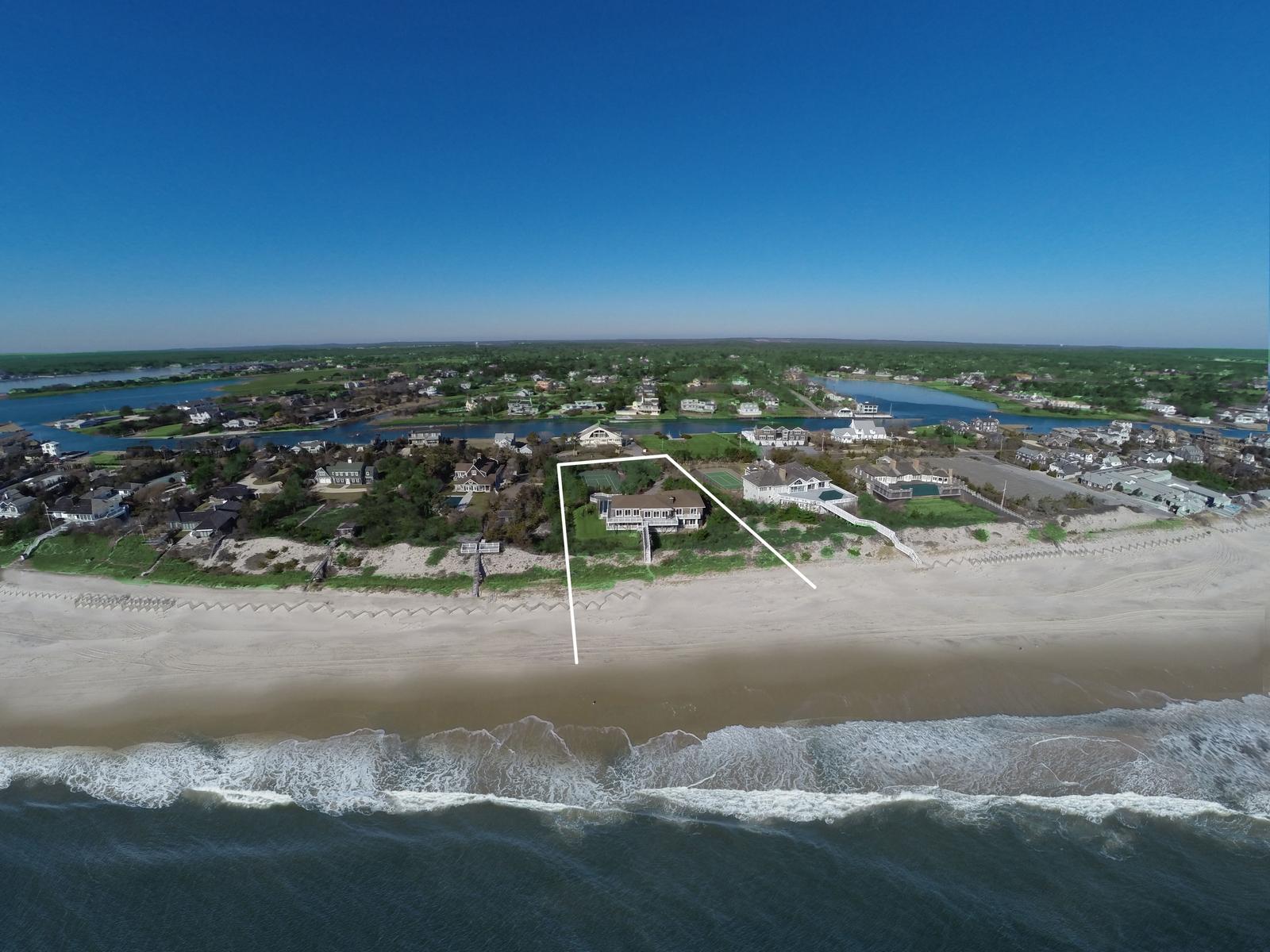 一戸建て のために 売買 アット Perfect Oceanfront 46 Dune Road Quogue, ニューヨーク 11959 アメリカ合衆国