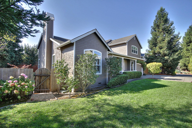 一戸建て のために 売買 アット Spacious Remodeled Craftsman 6 Autumn Court Novato, カリフォルニア 94947 アメリカ合衆国