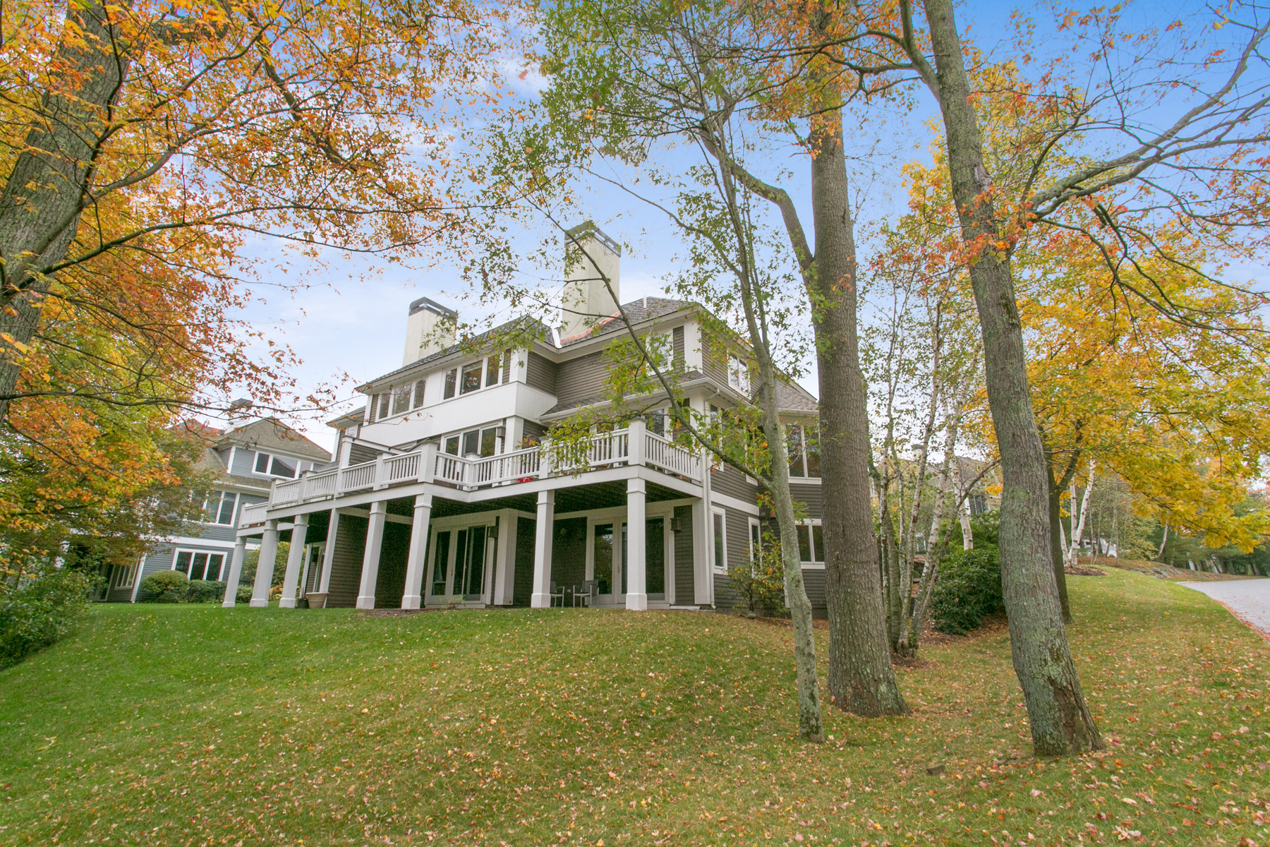 Single Family Home for Sale at Urban Chic Sophisticated 2 Highwood Lane Ipswich, Massachusetts 01938 United States