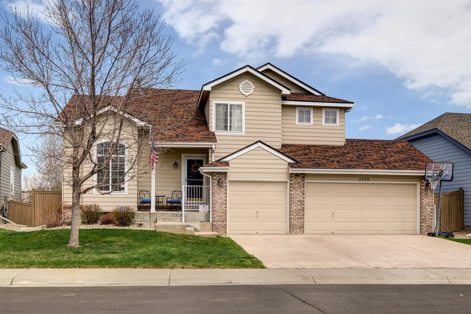 Single Family Home for Sale at Welcome to this home in The Meadows 5150 Starflower Ct Castle Rock, Colorado, 80109 United States