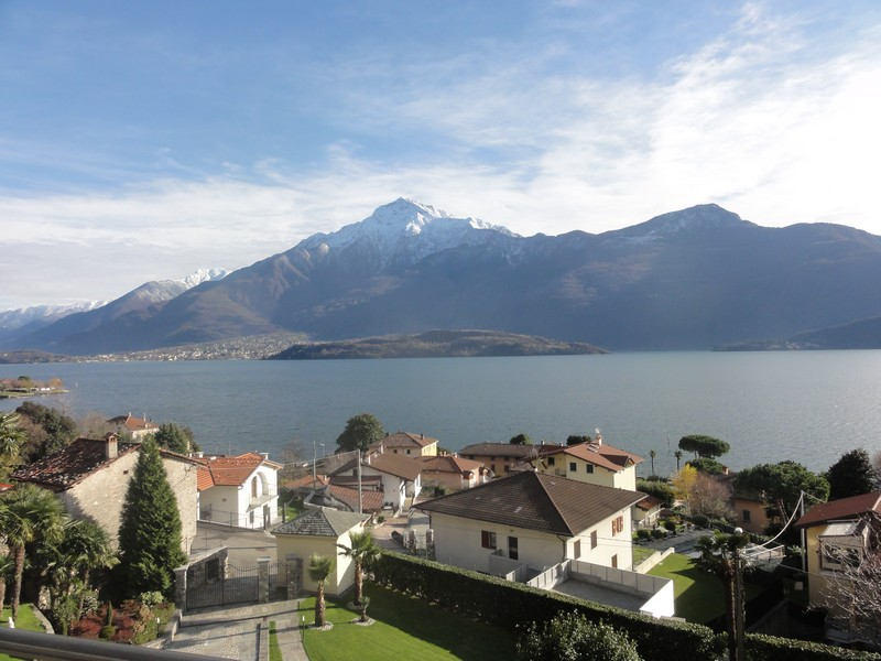 Additional photo for property listing at Magnificent villa with charming view of Lake Como Domaso Como, Como 22013 Italie