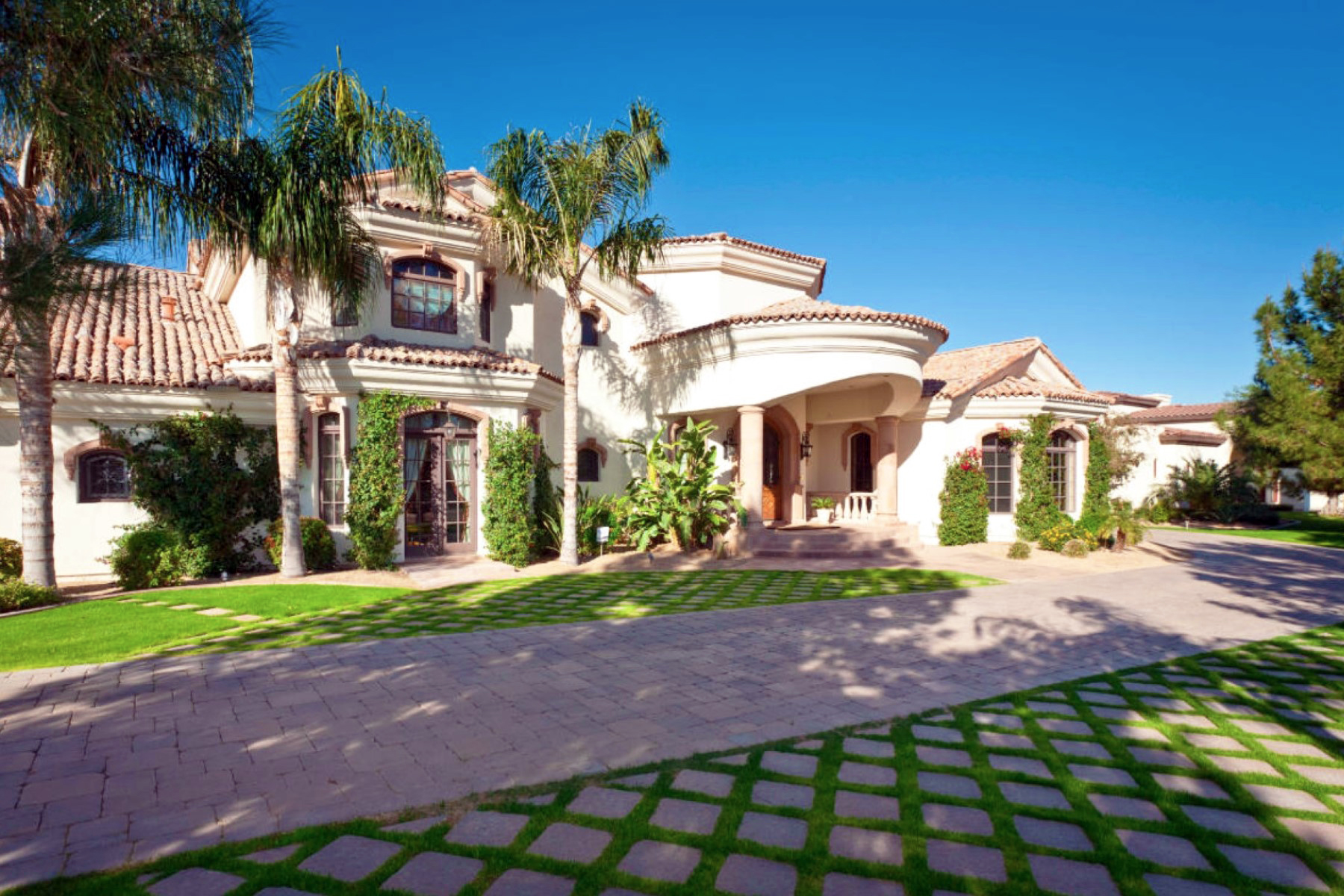 独户住宅 为 销售 在 Extraordinary Masterpiece in Camelback Country Estates 8812 N 65th Street Paradise Valley, 亚利桑那州 85253 美国