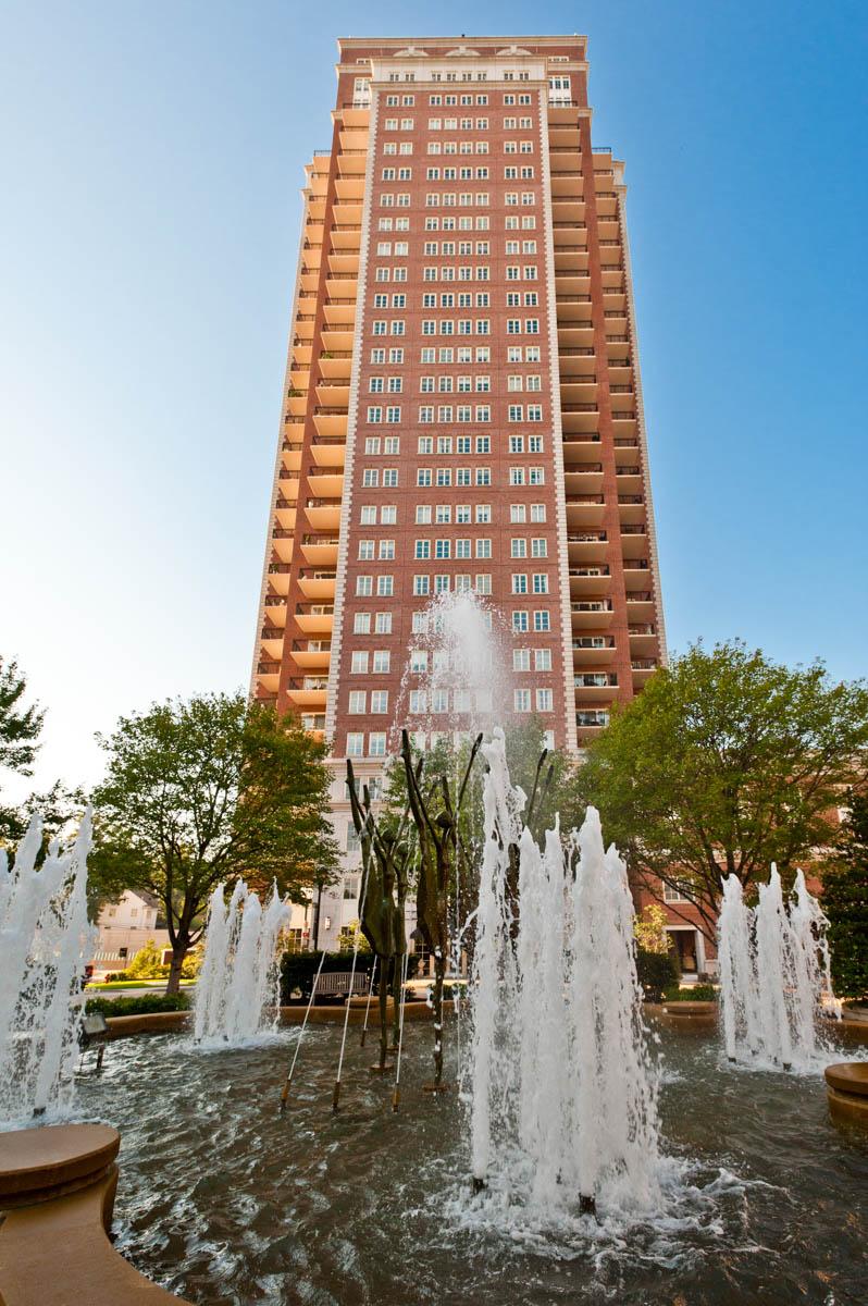 共管物業 為 出售 在 Carondelet Plaza #2702 150 Carondelet Plaza #2702 Clayton, 密蘇里州 63105 美國