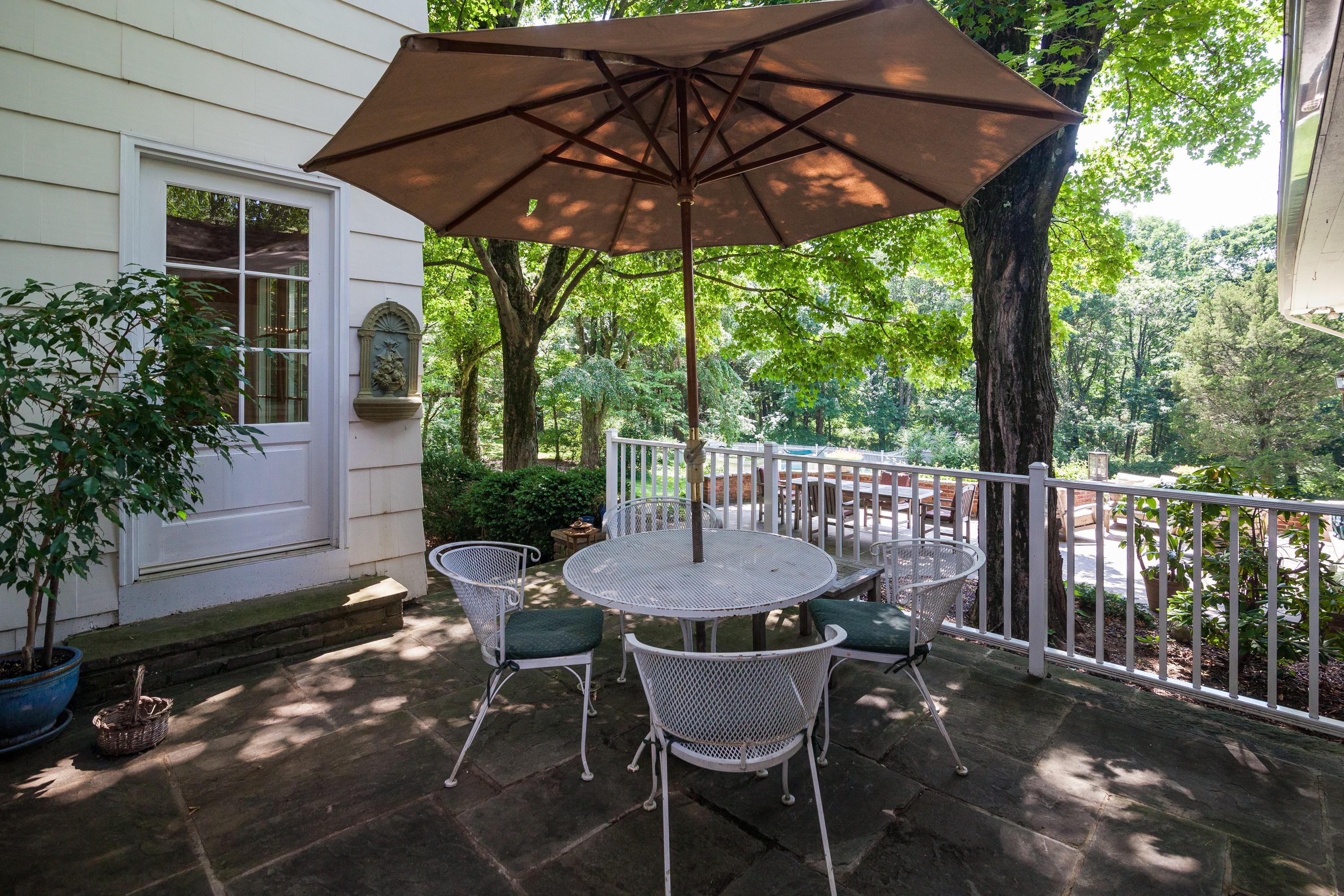 Maison unifamiliale pour l Vente à Classic Colonial 131 Glen Alpin Road New Vernon, New Jersey, 07976 États-Unis