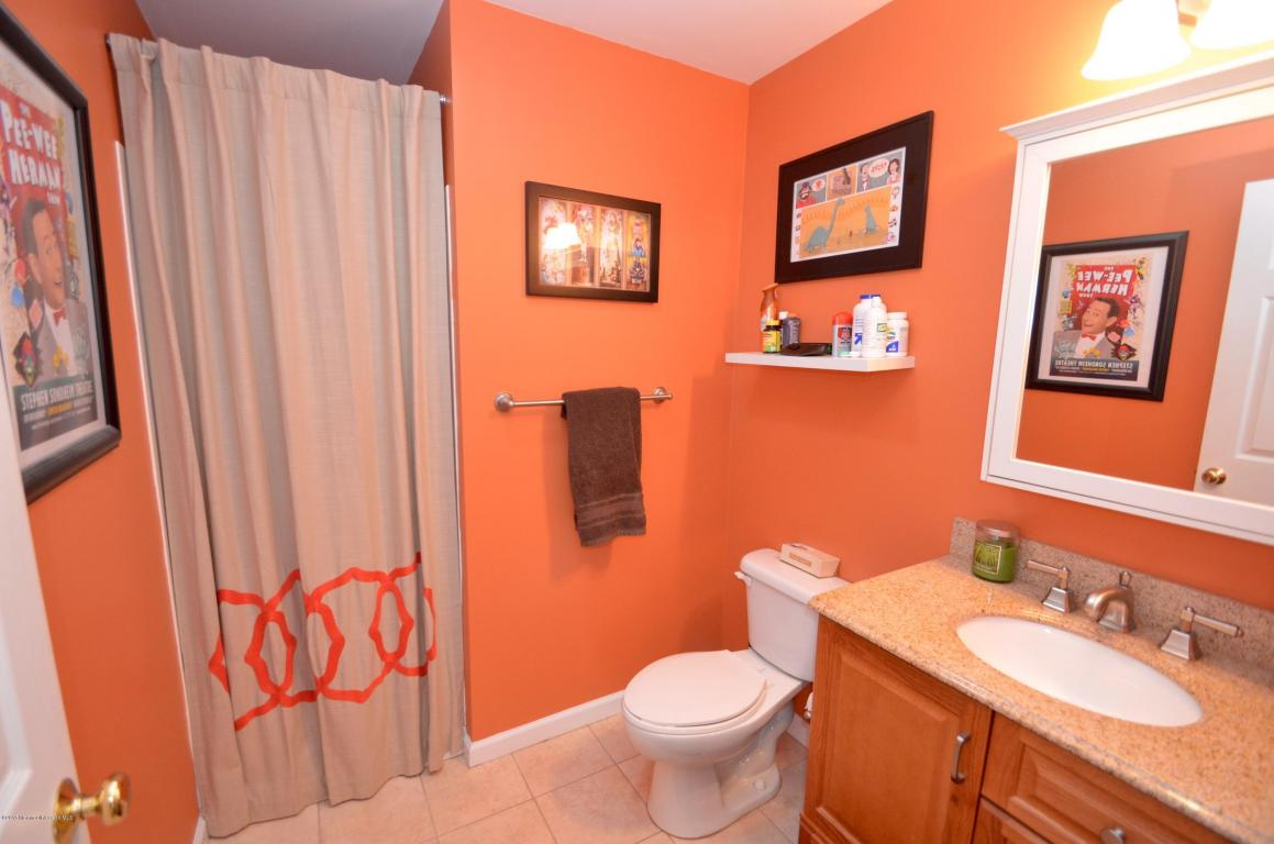 Additional photo for property listing at The Home You've Been Waiting For 141 Friendship Road Howell, New Jersey 07731 États-Unis