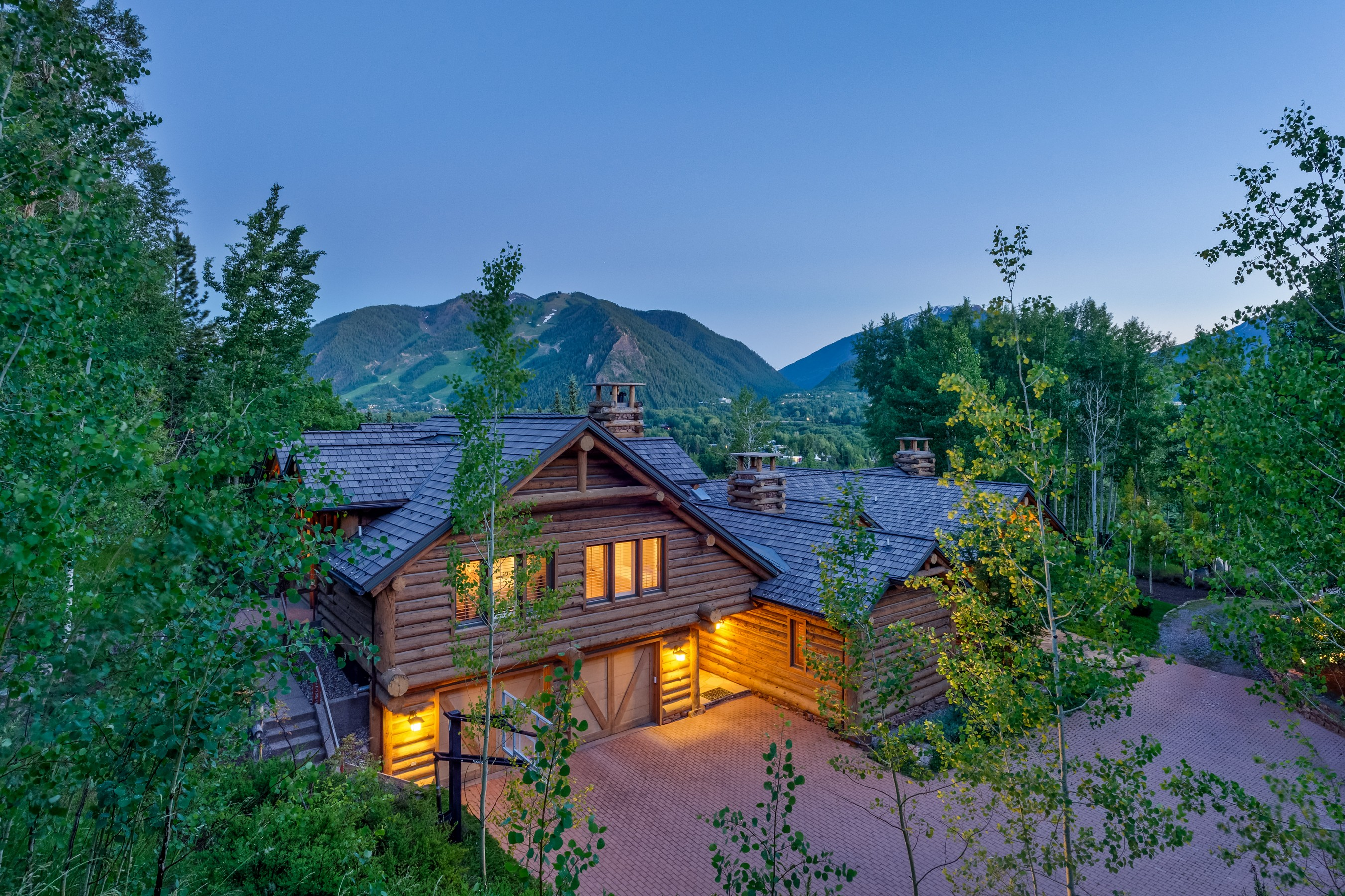 獨棟家庭住宅 為 出售 在 Aspen's Desirable Willoughby Way - Red Mountain 1099 Willoughby Way Aspen, 科羅拉多州 81611 美國