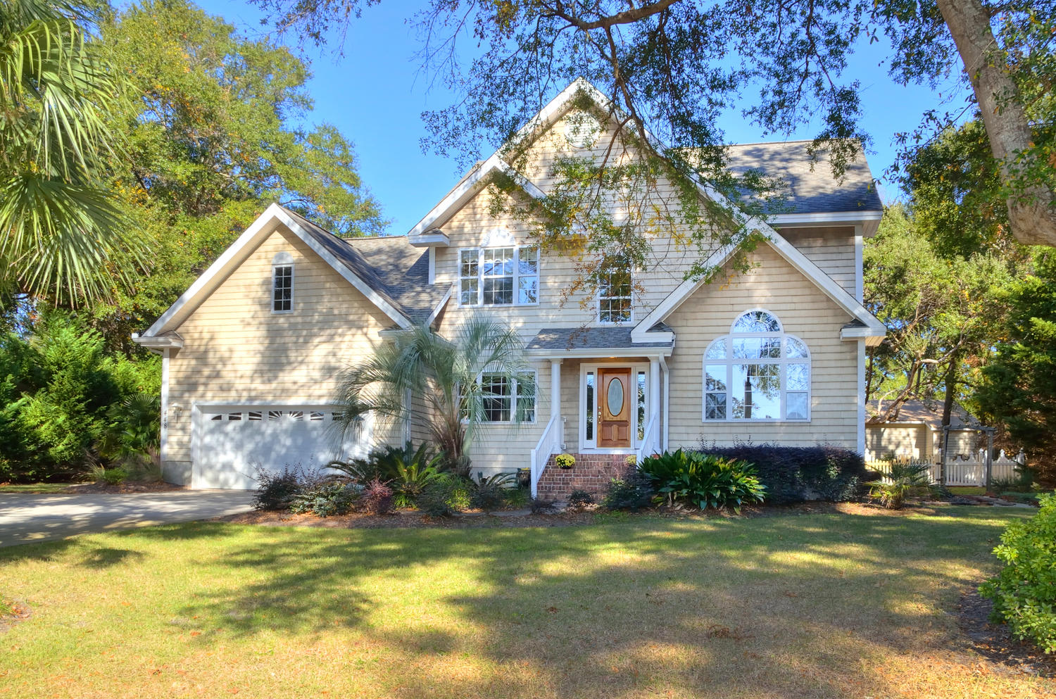 Single Family Home for Sale at Inviting Waterview Home in Sunset Beach 448 Lake Shore Drive Sunset Beach, North Carolina, 28468 United States