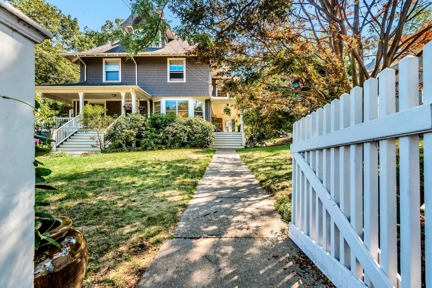 sales property at 700 Beacon #3 Newton