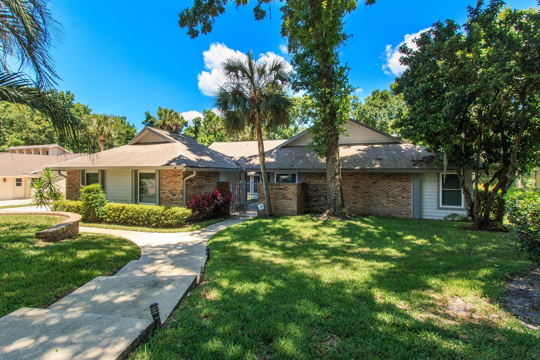Single Family Home for Sale at Longwood, Florida 412 Timber Ridge Longwood, Florida 32779 United States