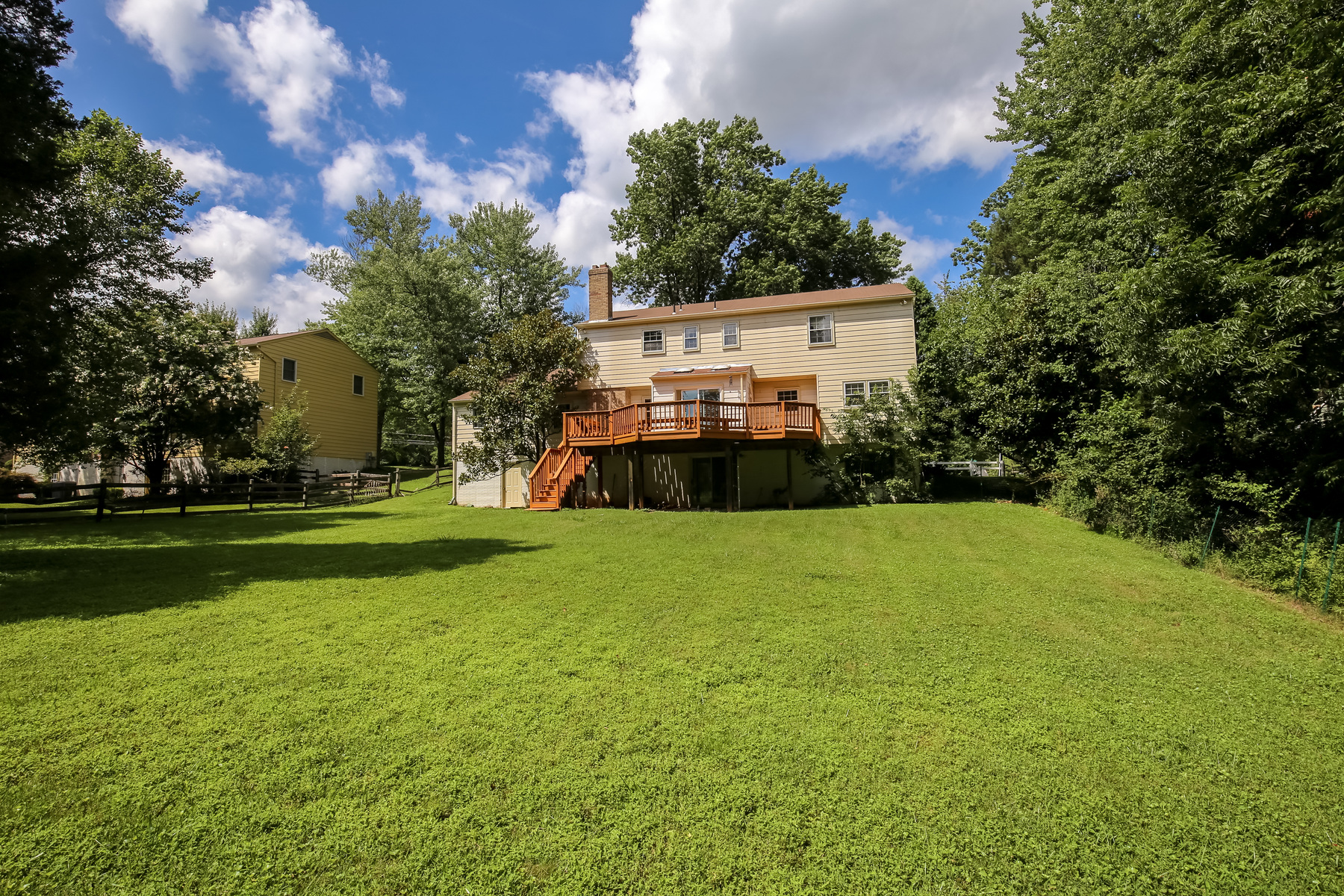 Additional photo for property listing at 9200 Bells Mill Road, Rockville 9200 Bells Mill Rd Rockville, Maryland 20854 Estados Unidos