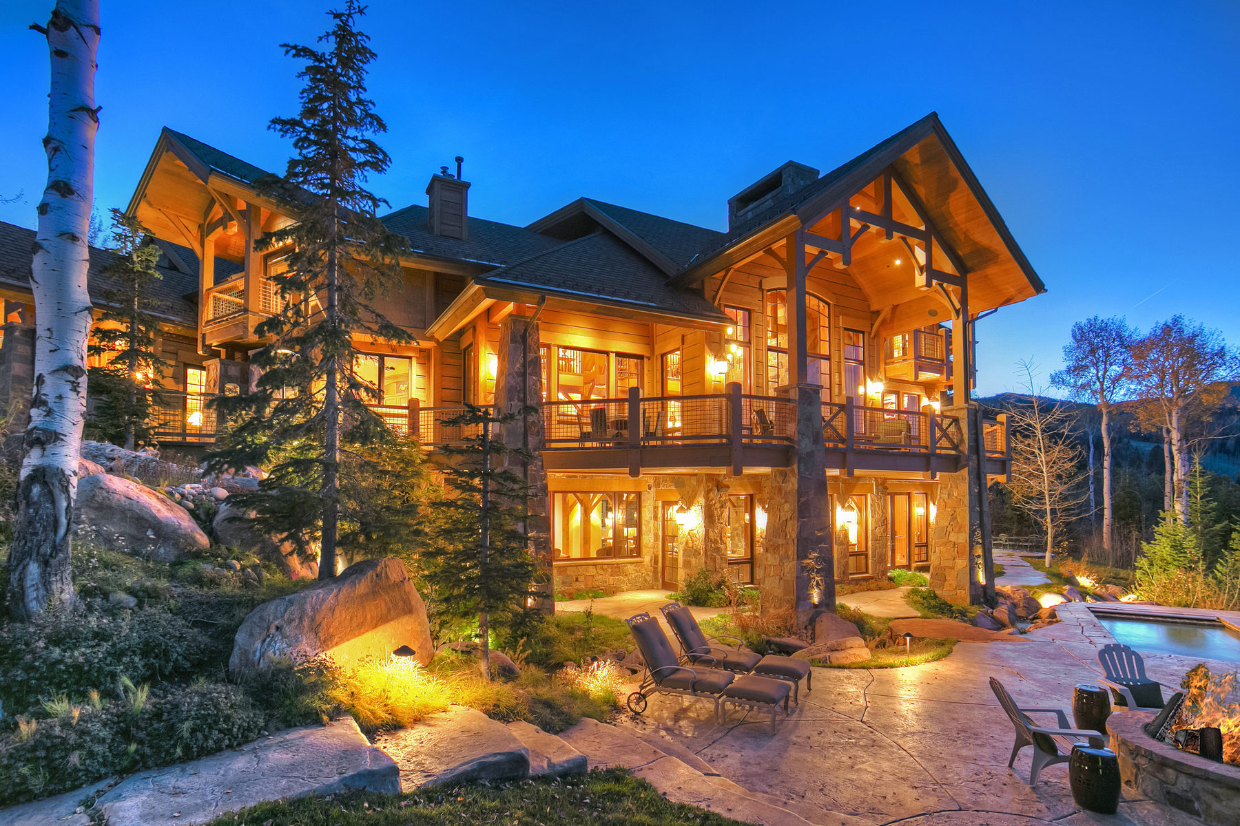 Casa Unifamiliar por un Venta en Ski In/Out Mountain Chateau at Park City 10 Minutes to Main Street 12 White Pine Canyon Rd Park City, Utah 84098 Estados Unidos