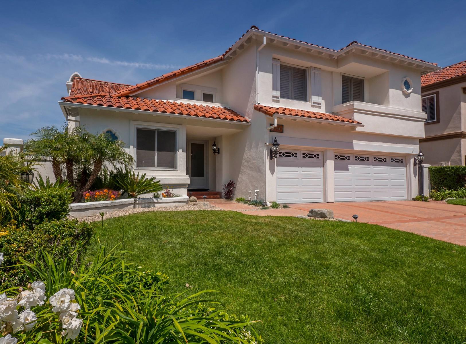 独户住宅 为 销售 在 3670 Reina Court 卡拉巴萨斯, 加利福尼亚州, 91302 美国