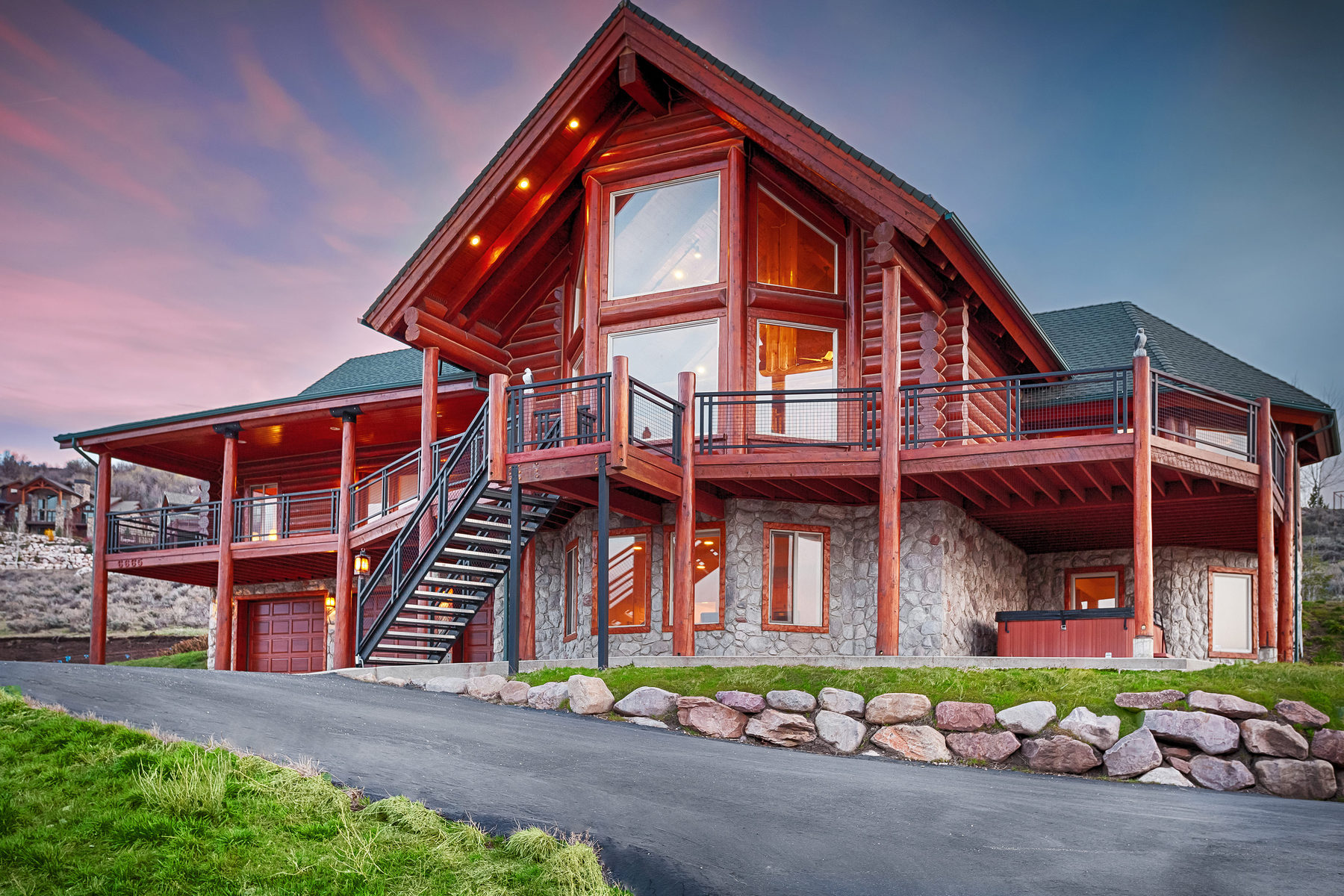 Casa Unifamiliar por un Venta en Ski Lake Mountain Retreat 6665 East 1100 South Huntsville, Utah 84317 Estados Unidos
