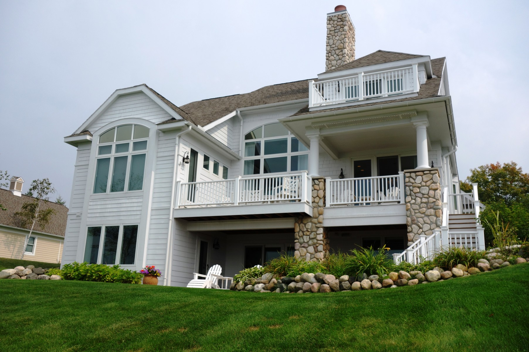 Single Family Home for Sale at Bluffs Cottage 922 Bluffs Court Bay Harbor, Michigan, 49770 United States