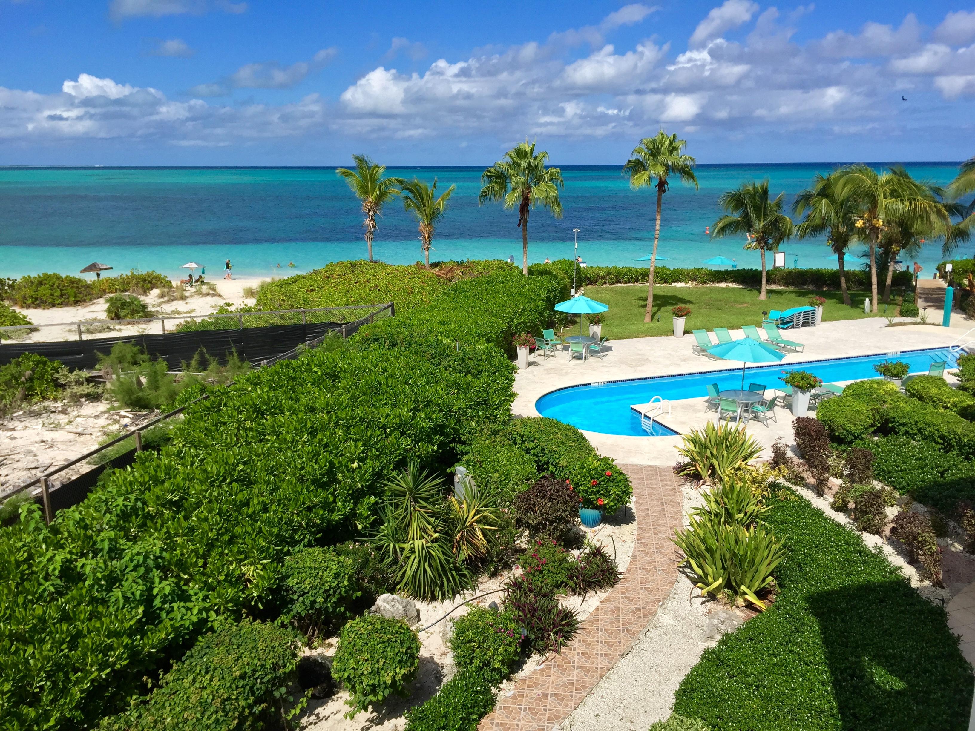 Кондоминиум для того Продажа на Coral Gardens - Suite 4304 Beachfront Grace Bay, Провиденсьялес, TC Теркс И Кайкос