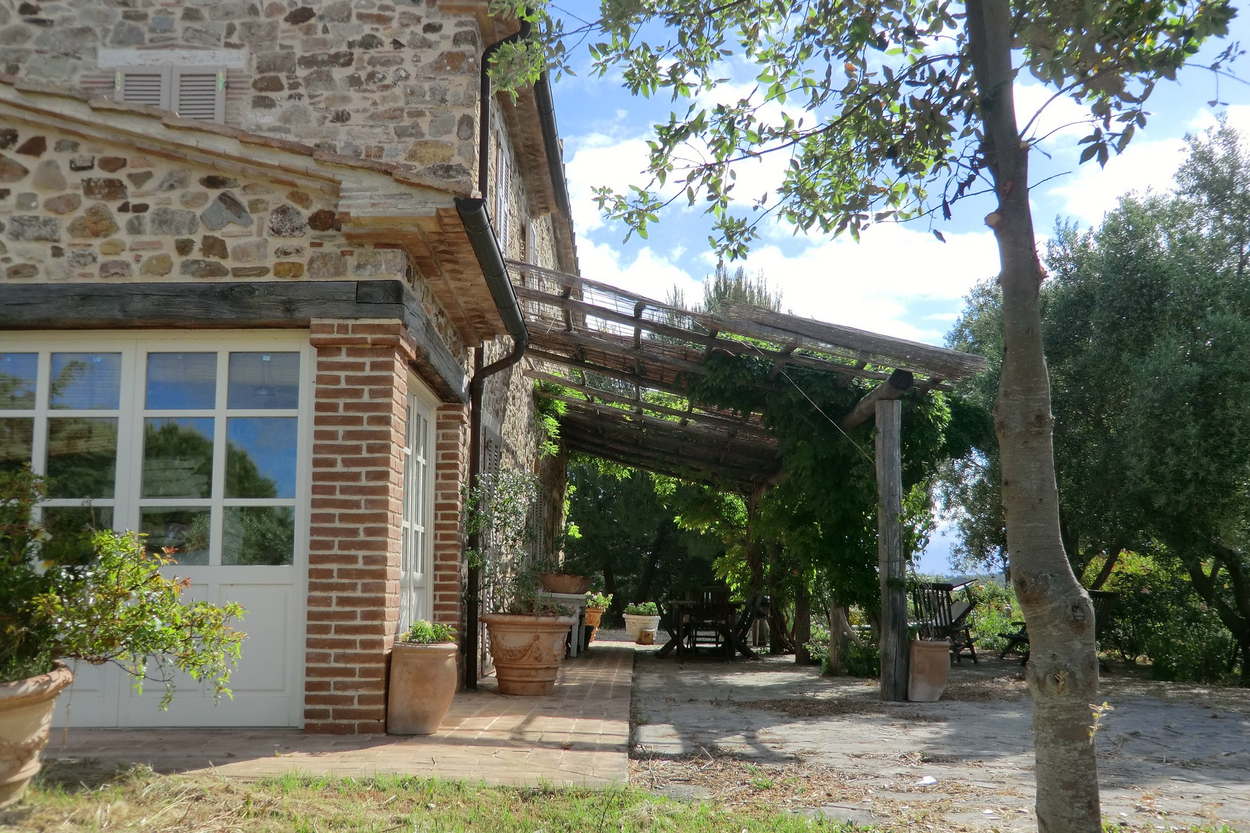 Additional photo for property listing at Typical Tuscan farmhouse in the hearth of the Maremma  Saturnia, Grosseto 58014 Italia