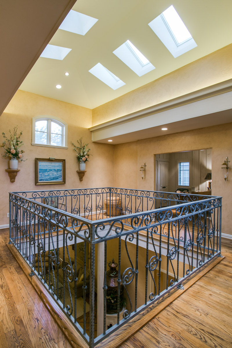 Additional photo for property listing at Sophisticated Home Built in 1999 Located in Highland Park 4413 Beverly Drive Dallas, Texas 75205 United States