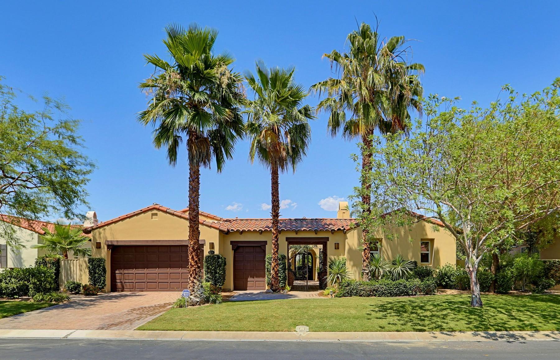 Moradia para Venda às 124 Royal Saint Georges Way Rancho Mirage, Califórnia, 92270 Estados Unidos