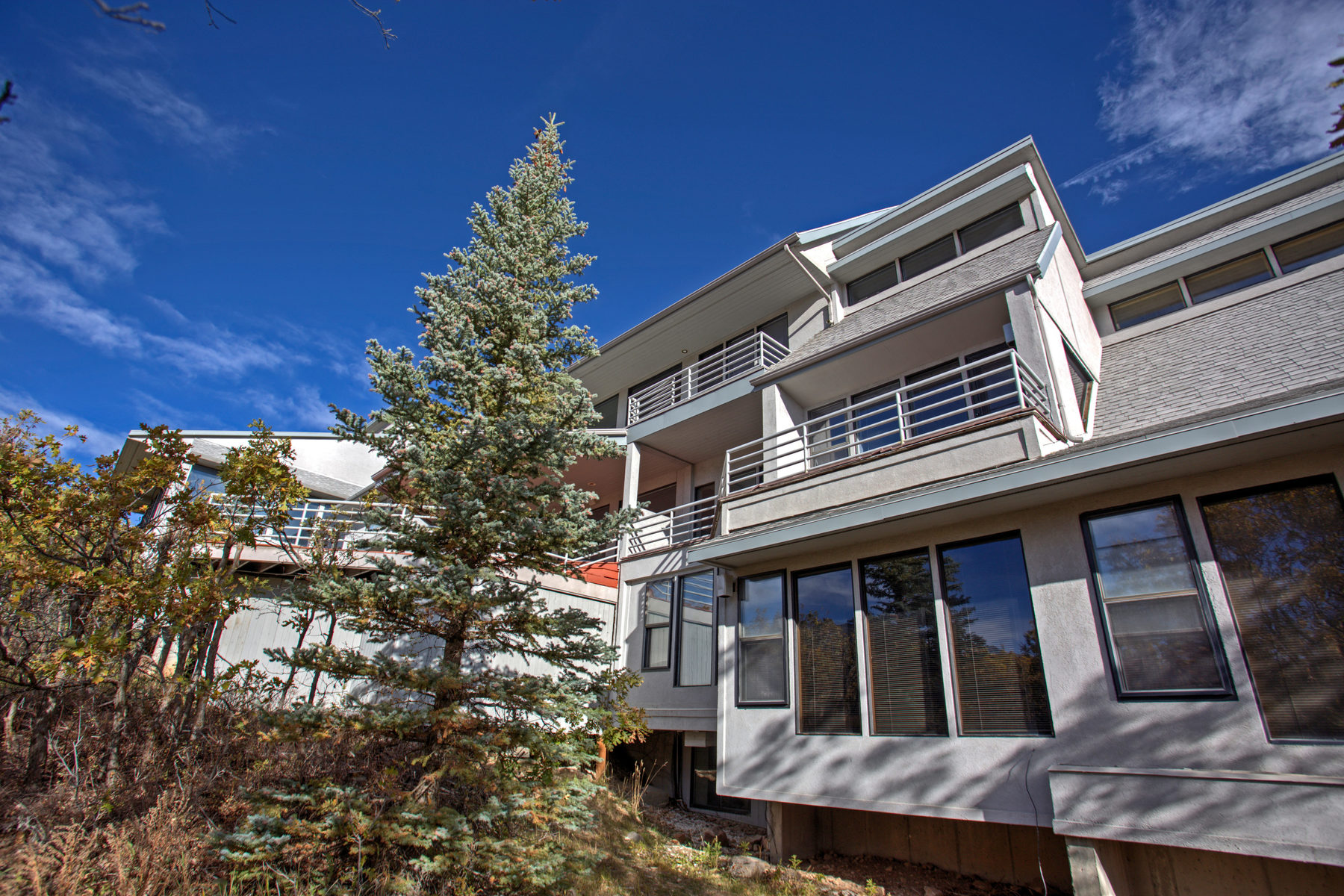 Maison unifamiliale pour l Vente à This Mountaintop Gem is the Perfect Personal or Corporate Retreat 325 Mountain Top Dr Park City, Utah, 84060 États-Unis