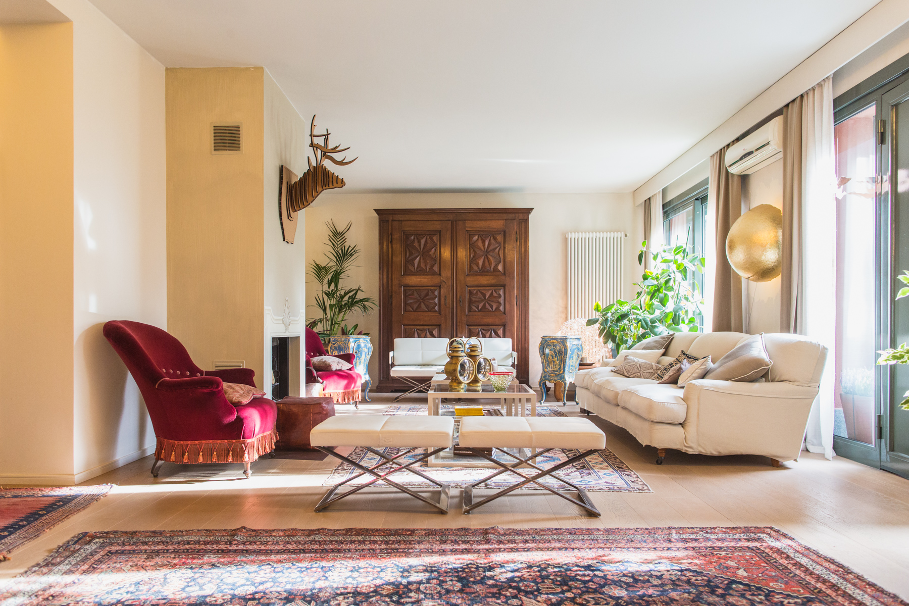 Single Family Home for Sale at Refined apartment in the pre-hill of Turin Via Luisa del Carretto Turin, 10131 Italy
