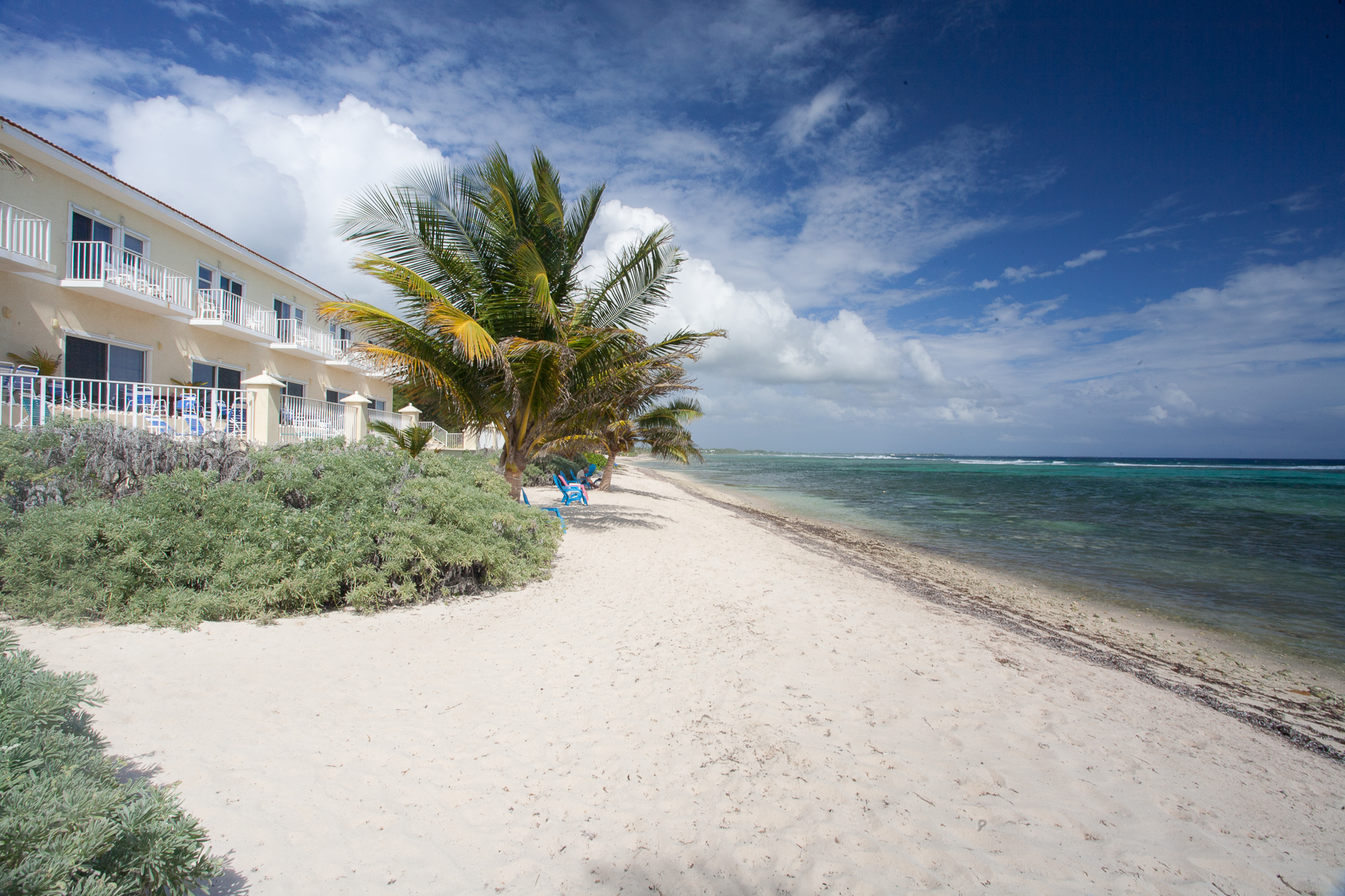 Single Family Home for Sale at Turtle Nest Condos Bodden Town, Cayman Islands