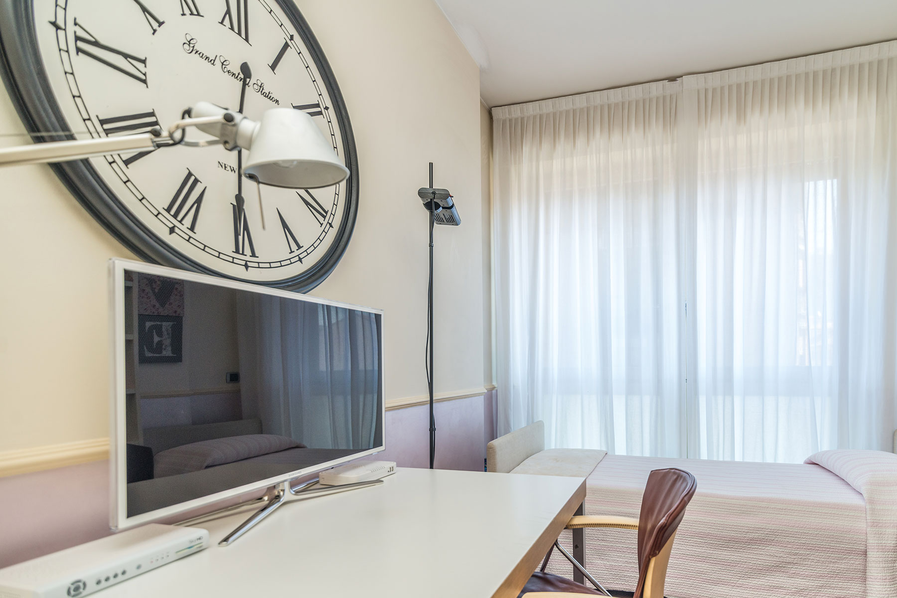 Additional photo for property listing at Exclusive apartament recently renovated via Mosè Bianchi Milano, Milan 20149 Italien