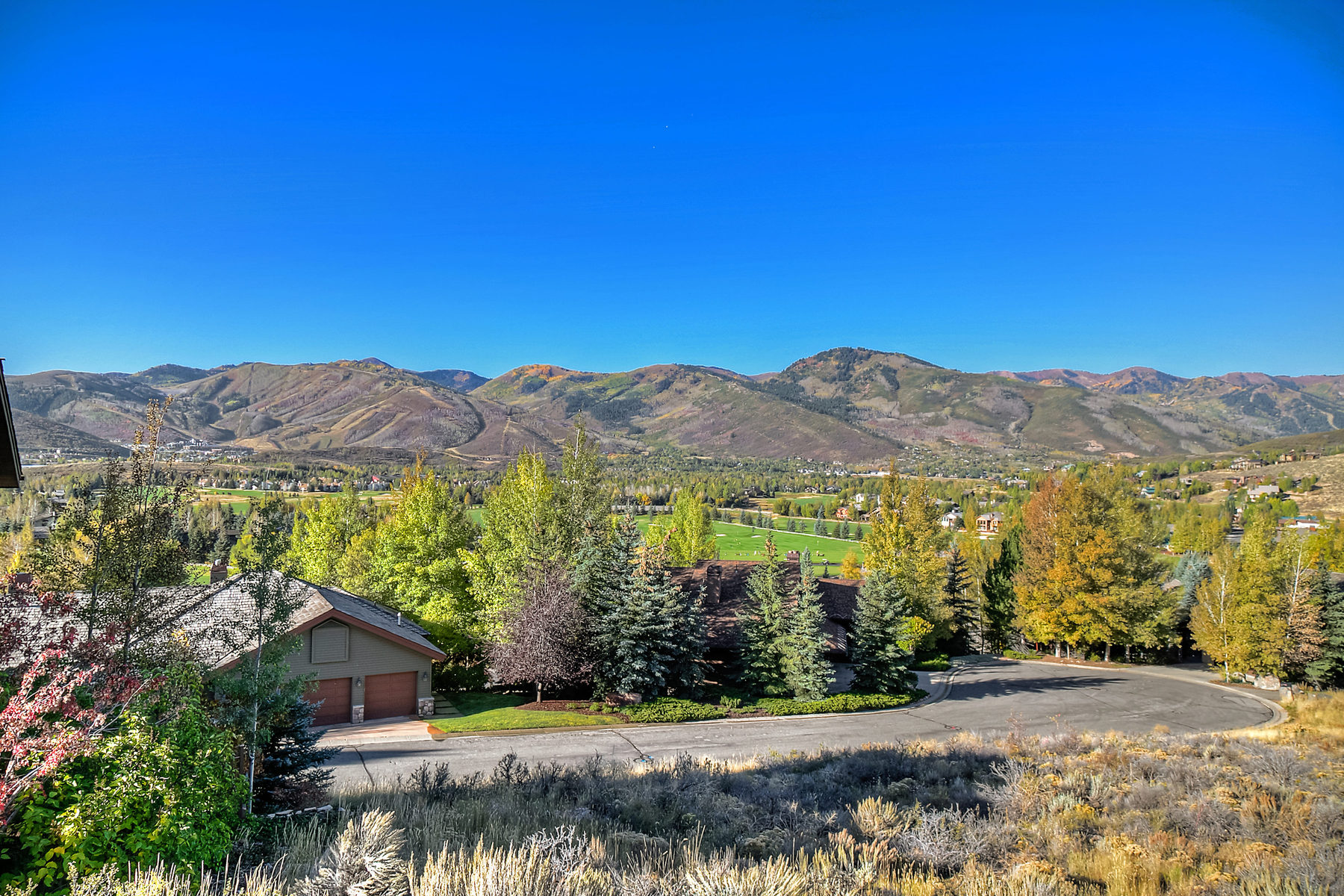 "Terrain pour l Vente à Rare Park Meadows ""West Ridge"" Hillside Lot with Captivating Post Card Views 2570 Columbine Ct Lot 22 Park City, Utah 84060 États-Unis"