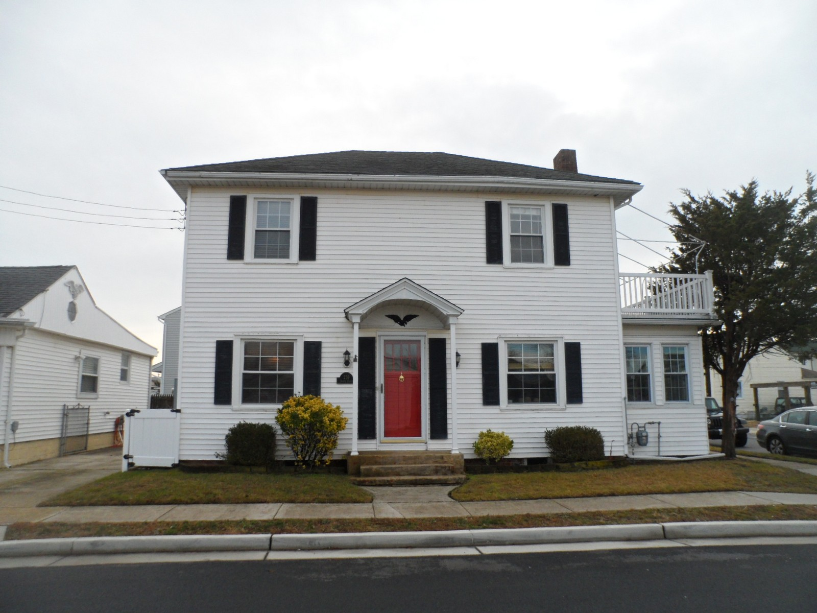 sales property at 221 & 239 N Dudley Avenue