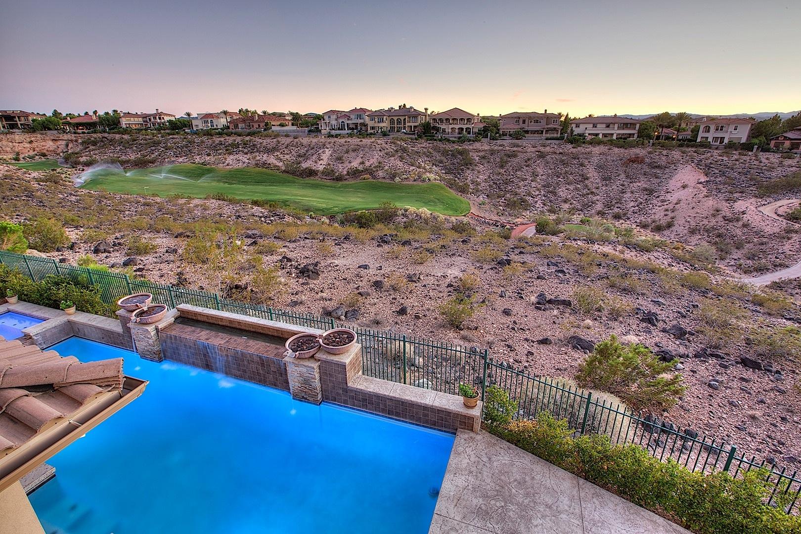 Casa para uma família para Venda às 1329 Dilevante Dr Henderson, Nevada 89052 Estados Unidos