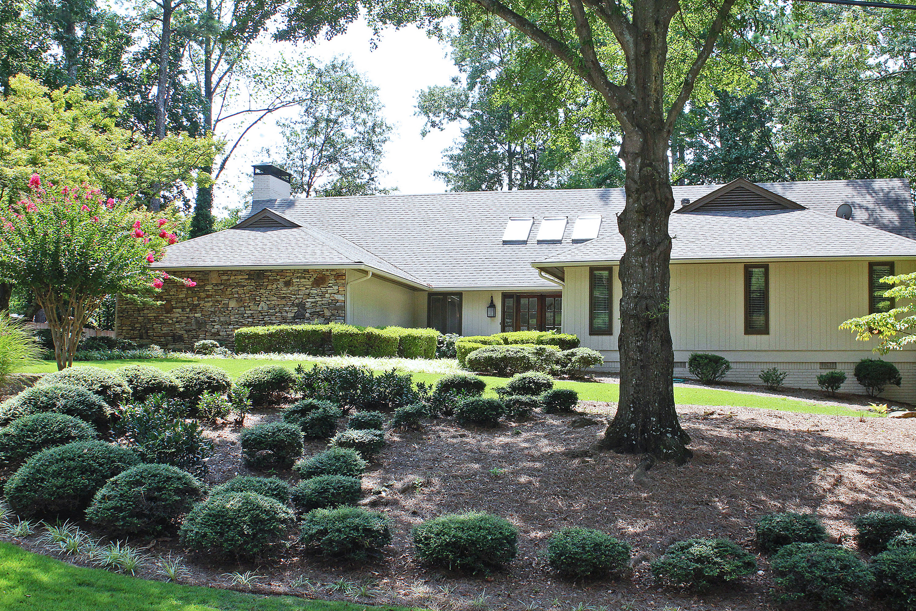 Property For Sale at Beautiful Dunwoody Ranch