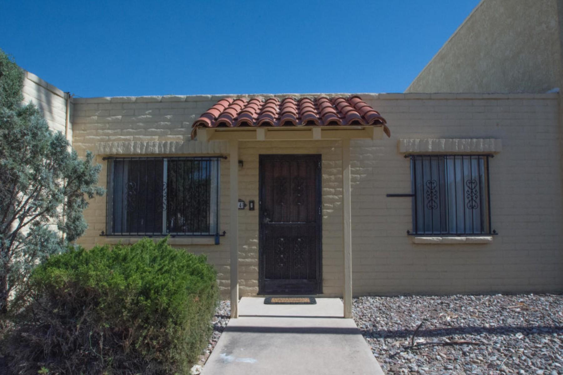 共管式独立产权公寓 为 销售 在 Well taken care condo for sale. 810 S Kolb Road 34 Tucson, 亚利桑那州 85710 美国