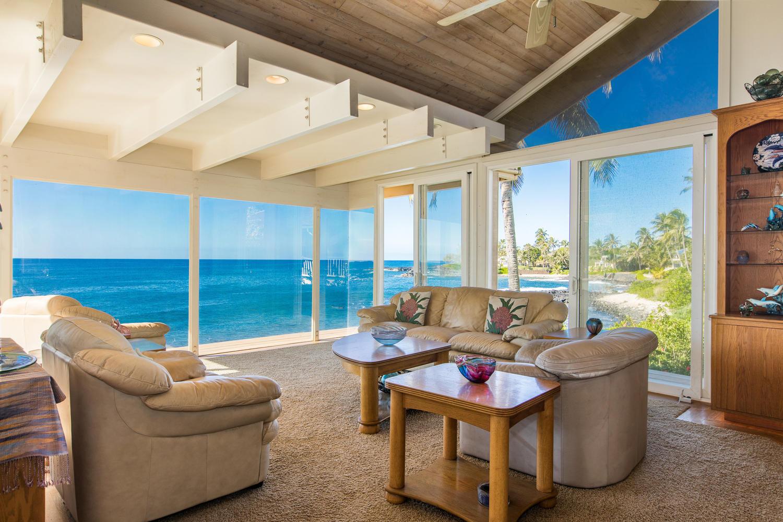 独户住宅 为 销售 在 Sunny Po`ipu Oceanfront 4526 Lawai Rd 洛亚, 夏威夷 96756 美国