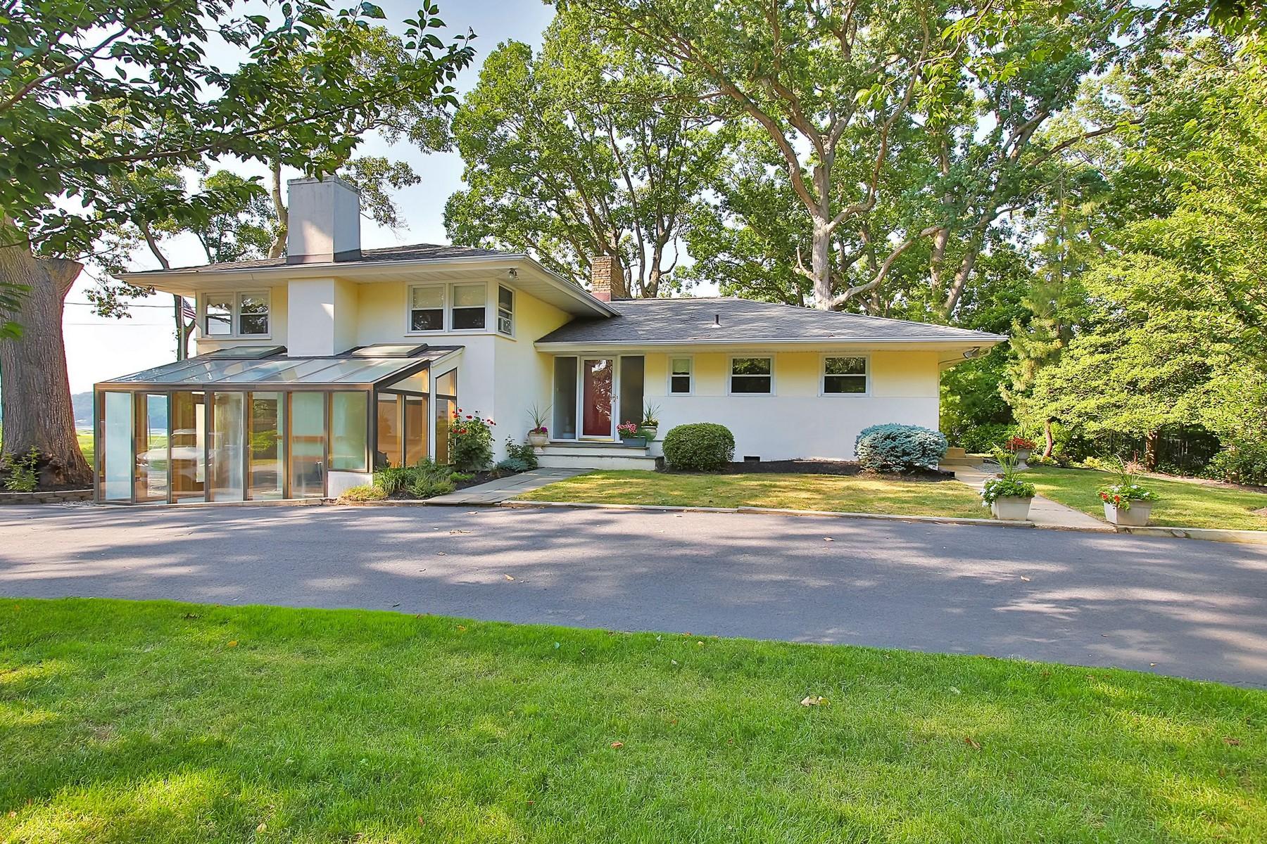 Nhà ở một gia đình vì Bán tại Exceptional Waterfront 144 Black Point Rd Rumson, New Jersey 07760 Hoa Kỳ