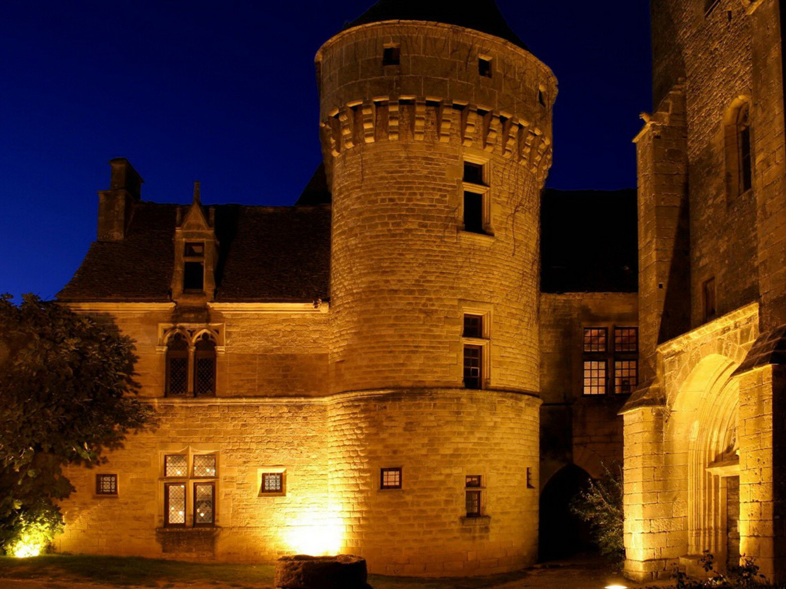 Property Of LISTED TOWN-CASTLE NEAR SARLAT