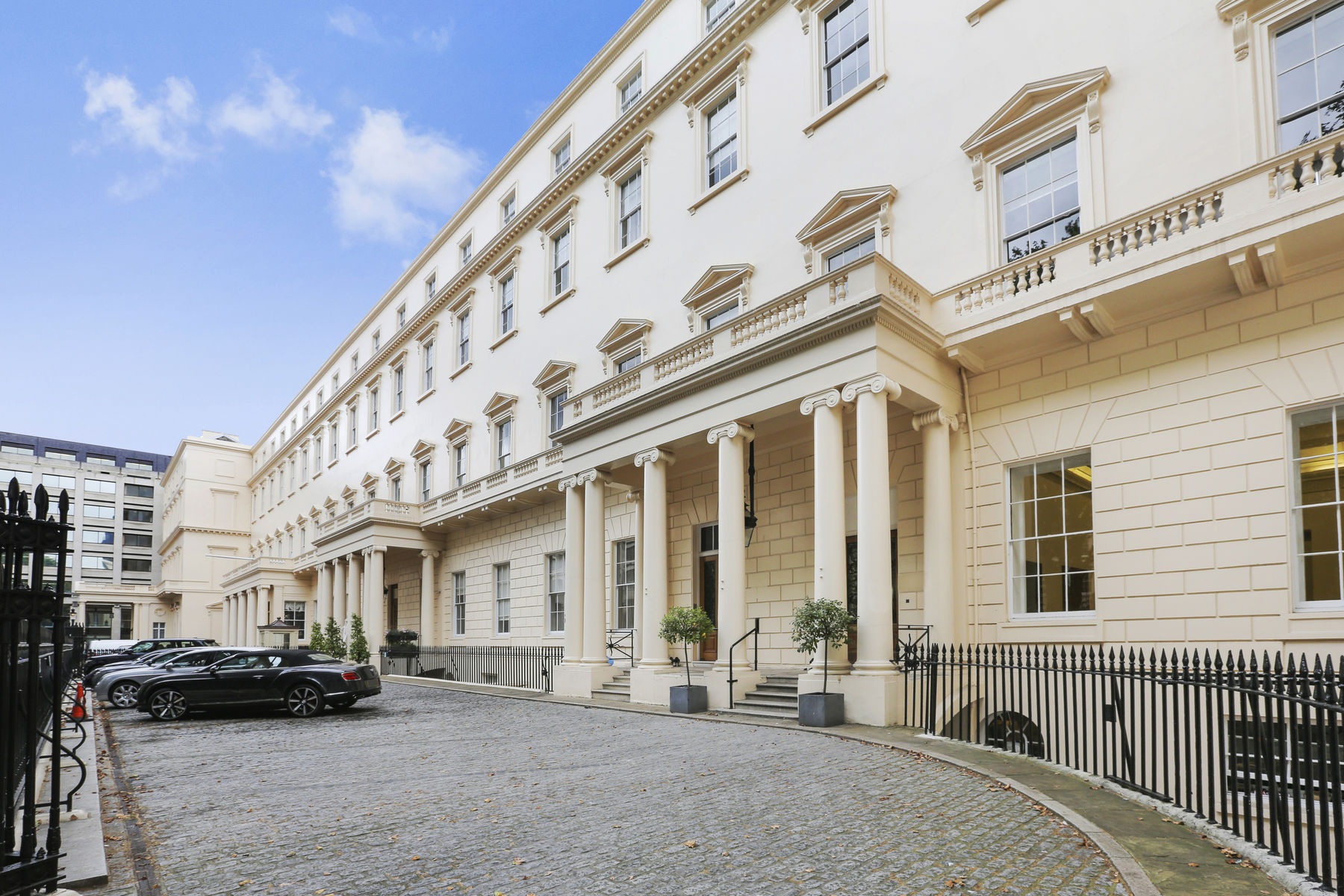 独户住宅 为 销售 在 The Penthouse, Carlton House Terrace London, 英格兰 SW1Y5AH 英国